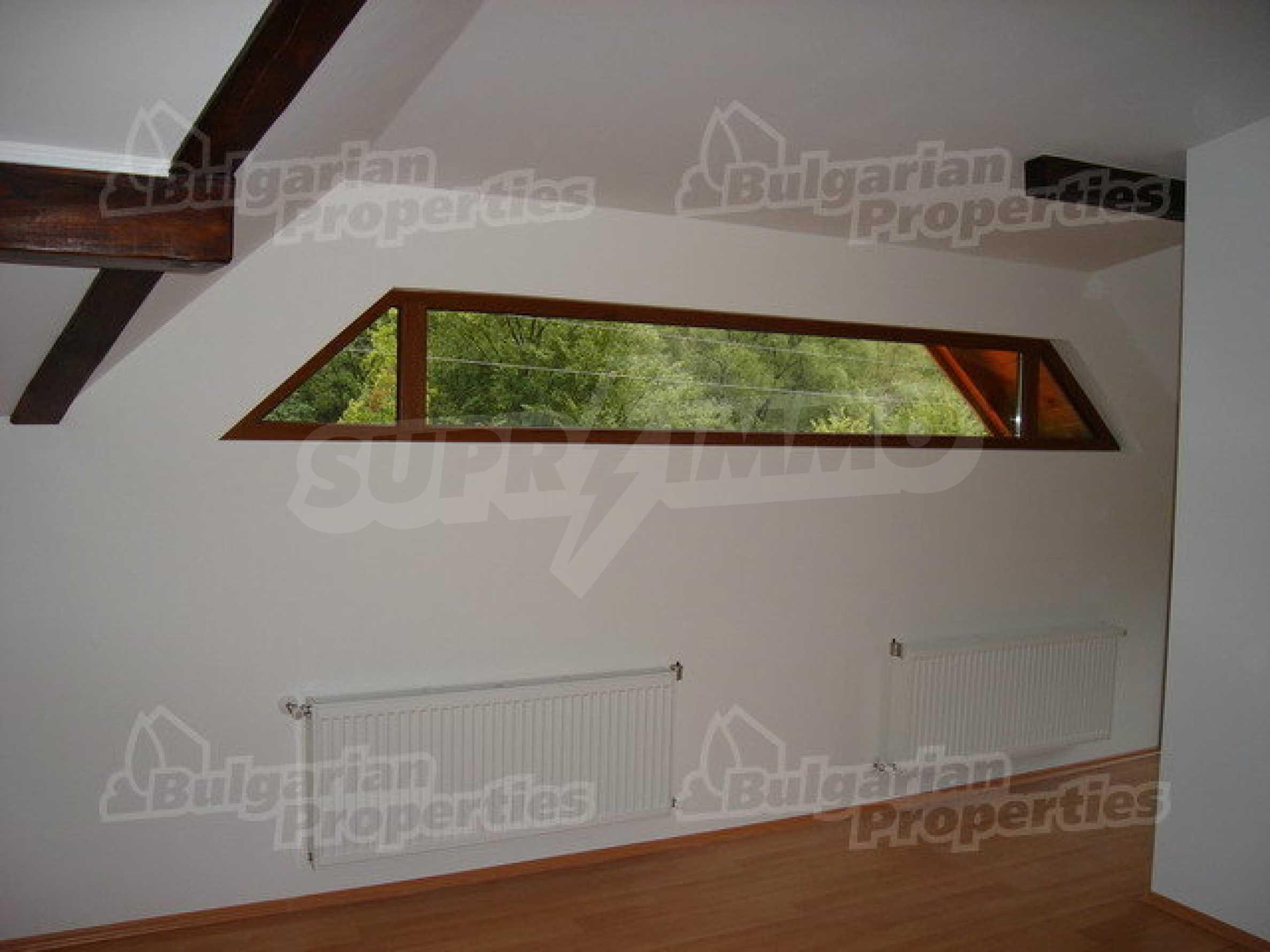 Neugebaute dreistöckige Villa in Ribaritsa 8