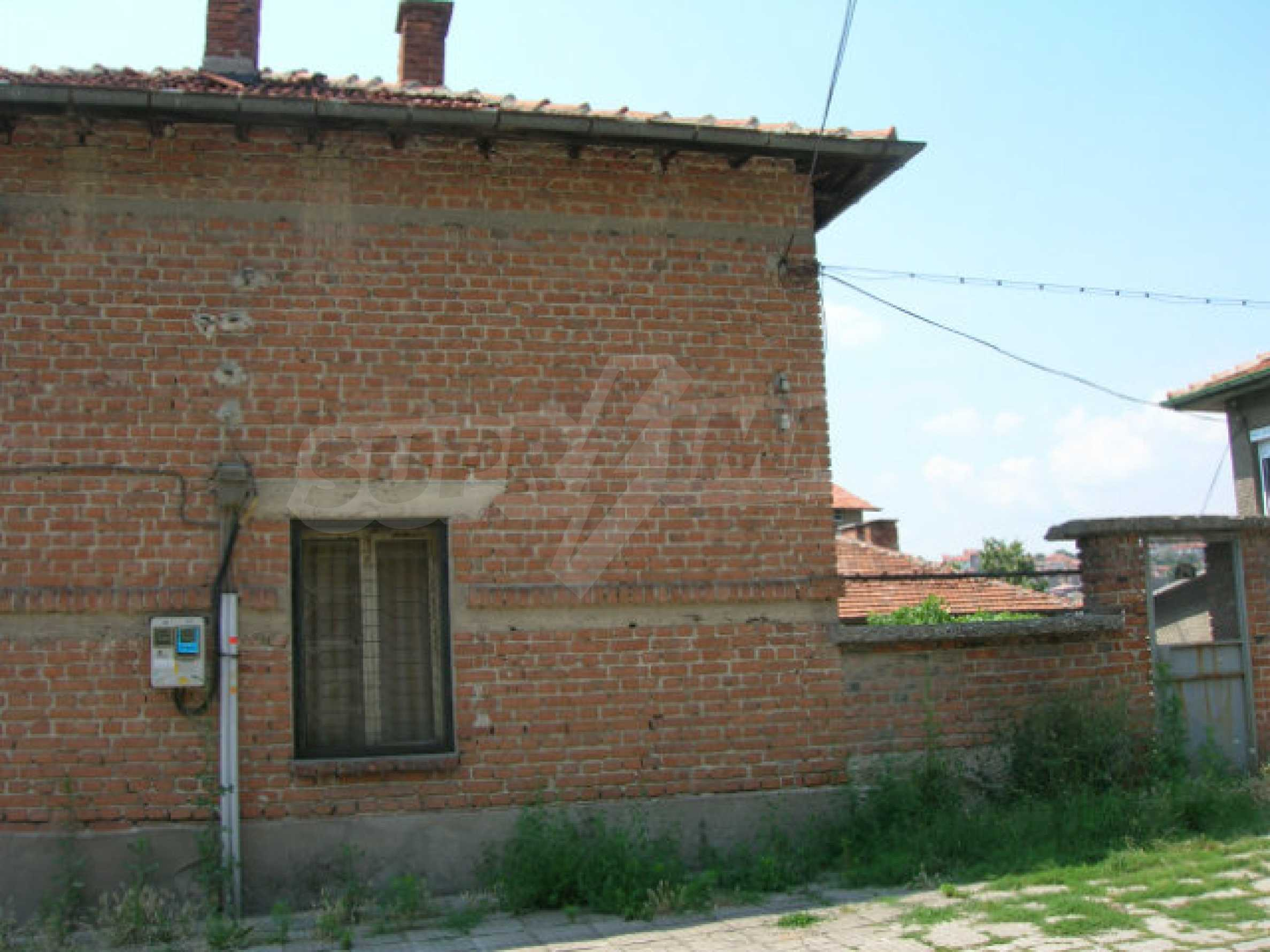 Spacious house with garden for sale in Haskovo 25