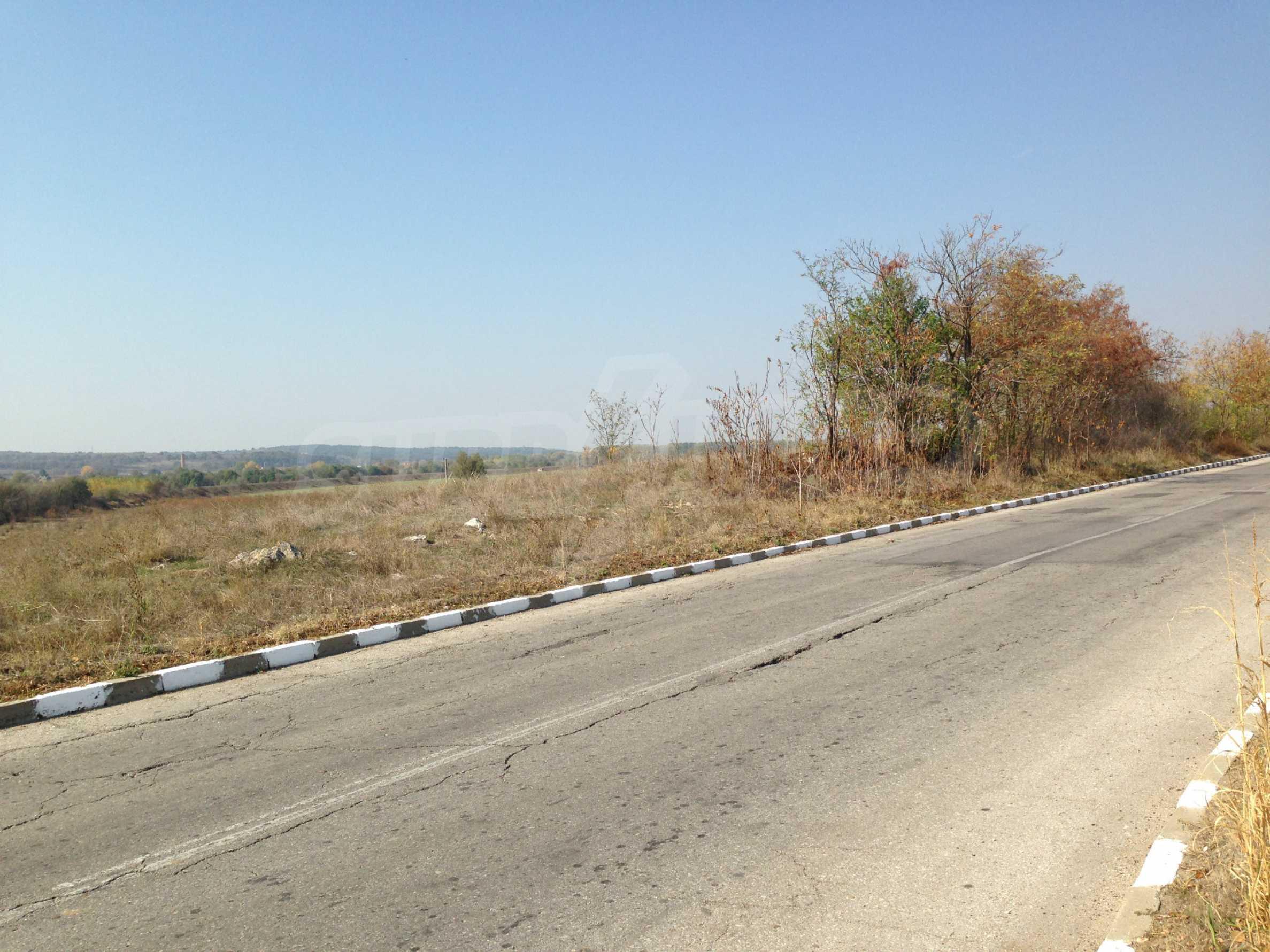 Regulated plot of land at main road near the Maritsa river 1