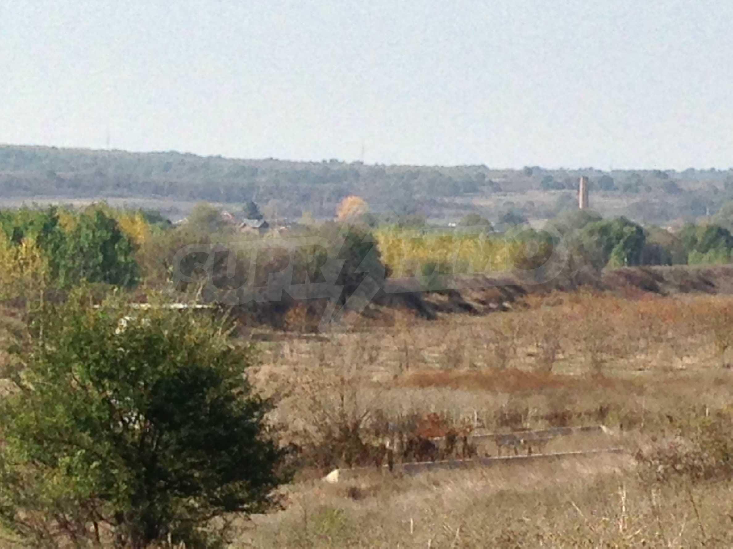 Regulated plot of land at main road near the Maritsa river 3