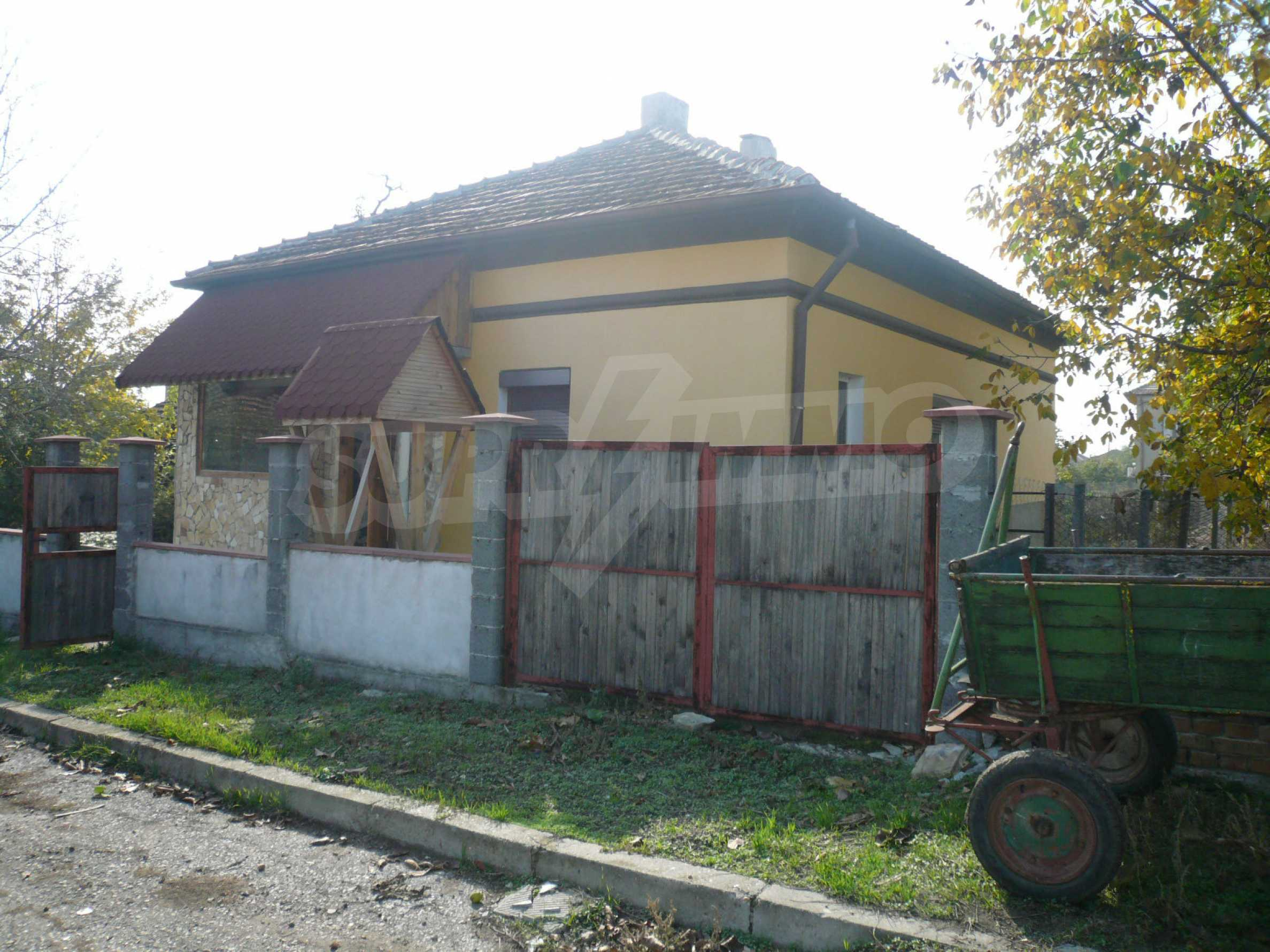 Renovated house with yard near the center of Kula 6