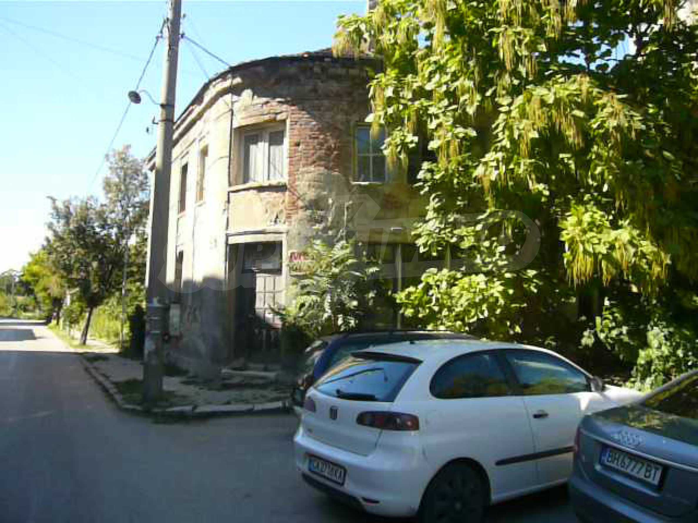 House with excellent location in the district of Kaleto 4