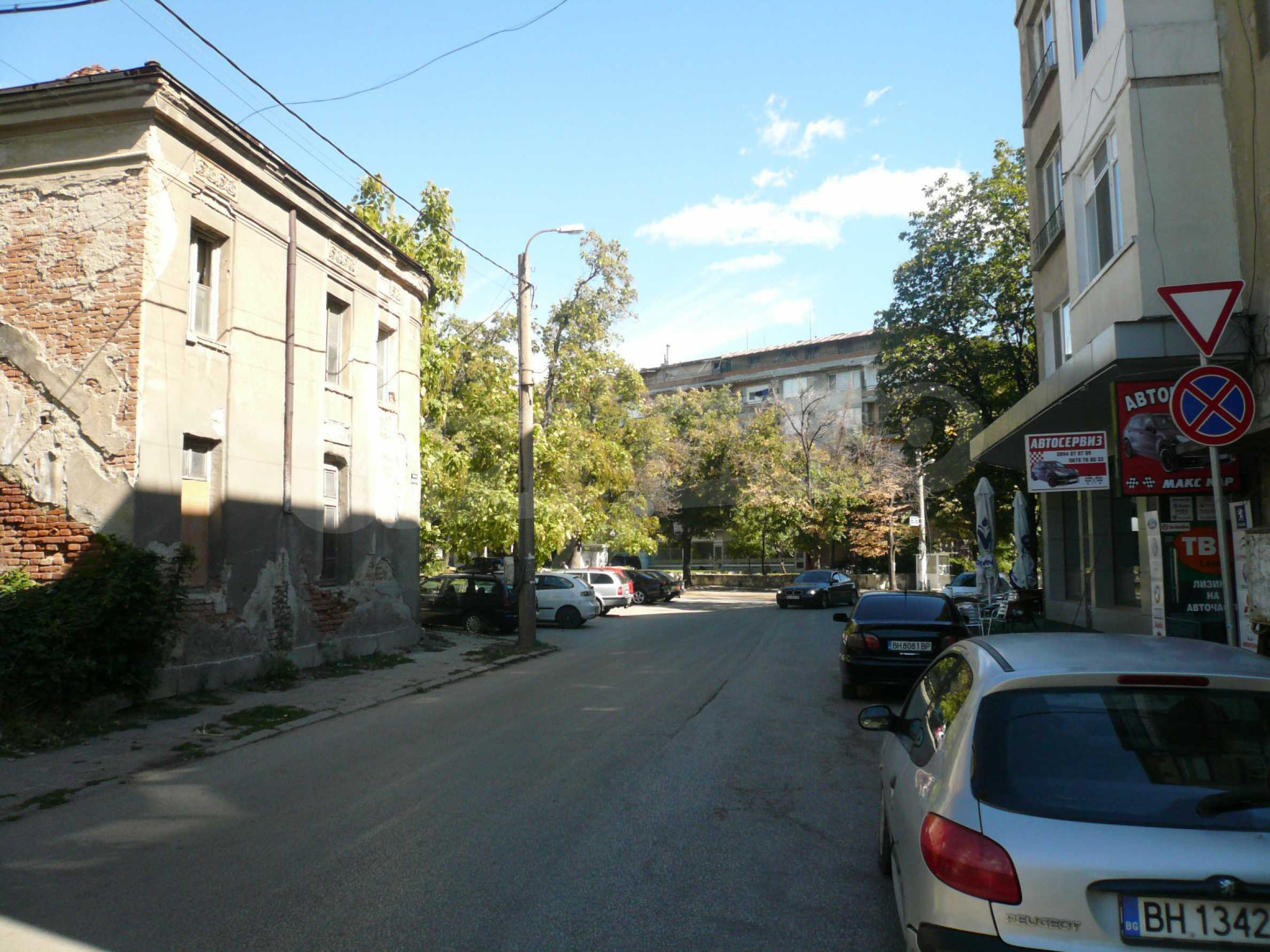 House with excellent location in the district of Kaleto 6