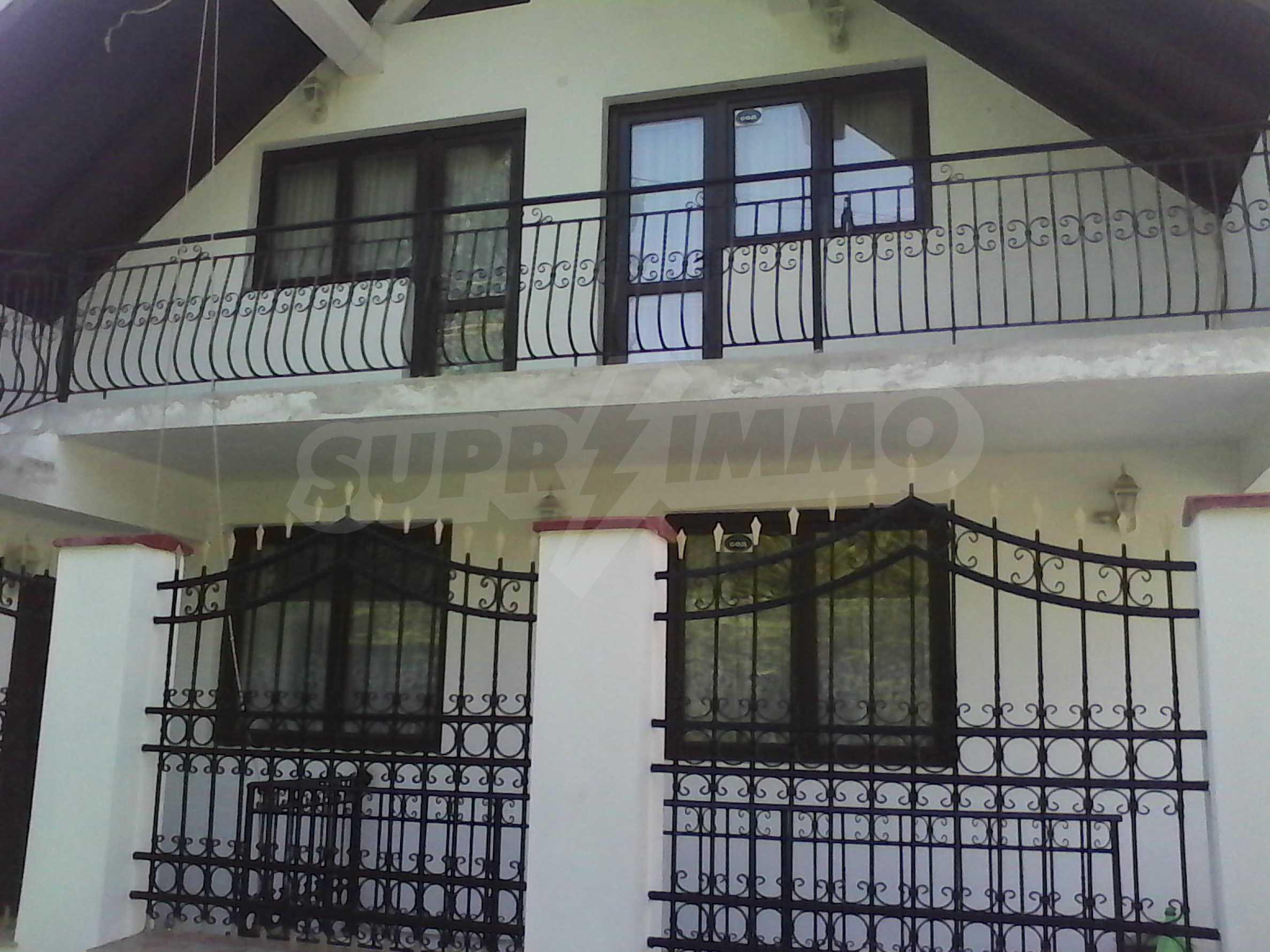 Zweistöckiges, solides und neu gebautes Haus in Gorna Oryahovitsa 1