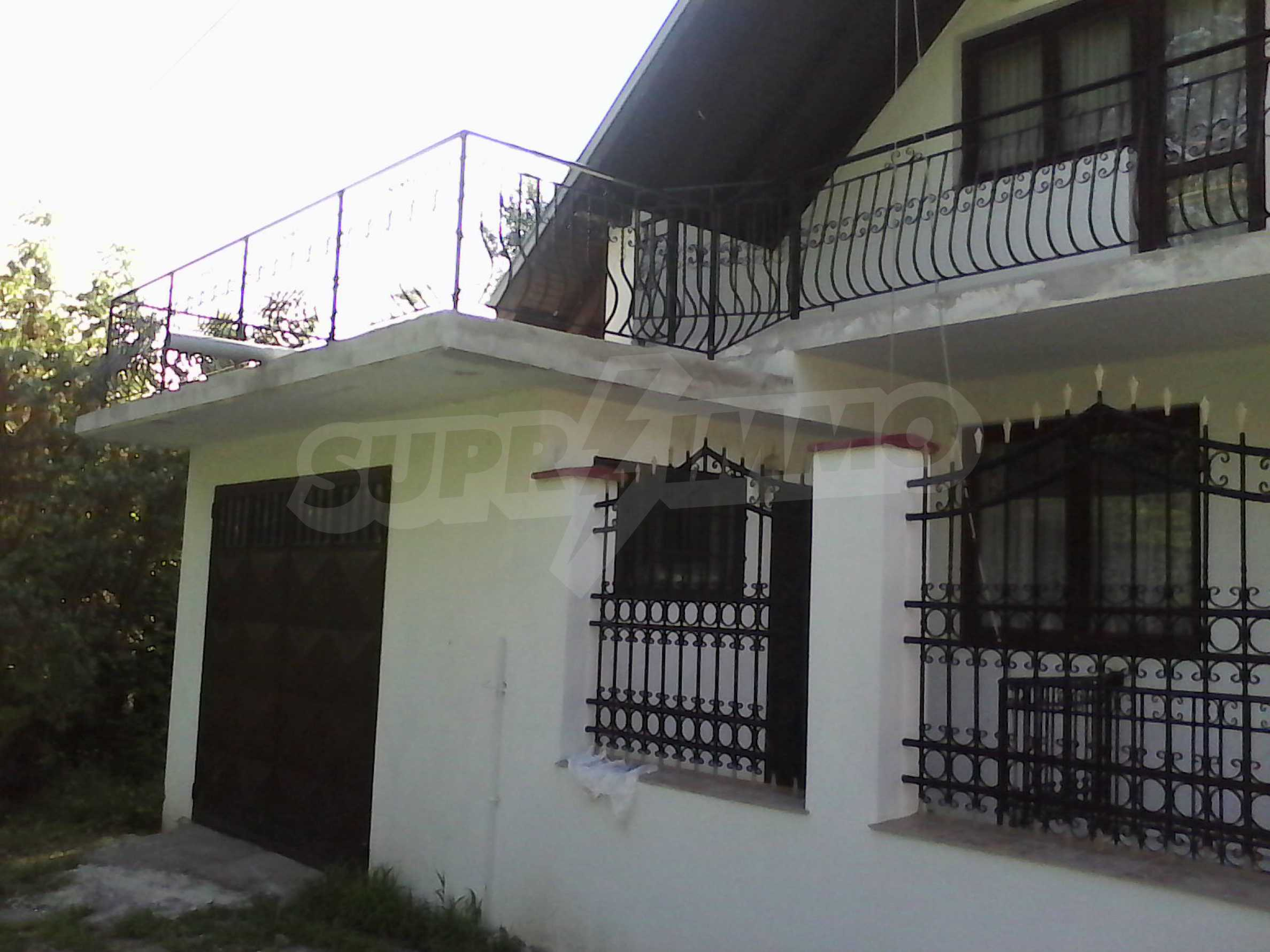 Zweistöckiges, solides und neu gebautes Haus in Gorna Oryahovitsa 2