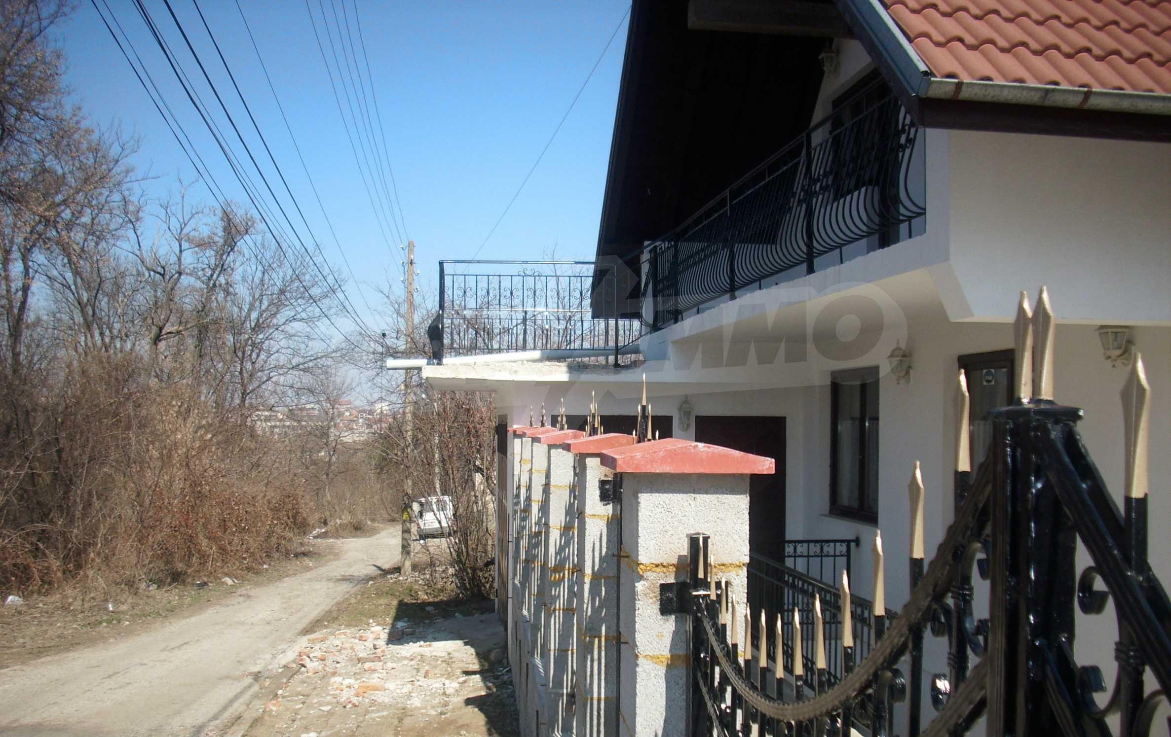 Zweistöckiges, solides und neu gebautes Haus in Gorna Oryahovitsa 3