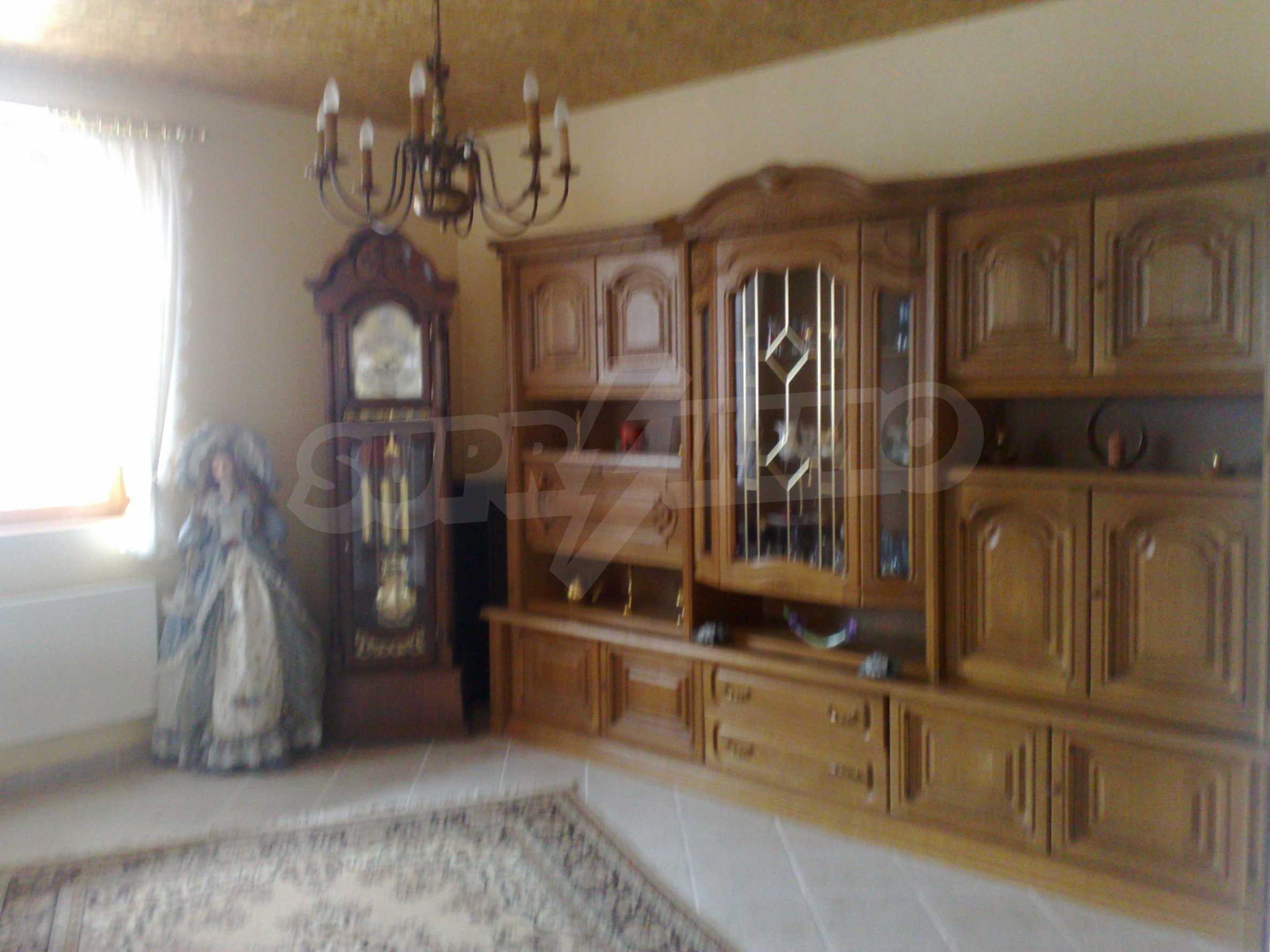 Zweistöckiges, solides und neu gebautes Haus in Gorna Oryahovitsa 4