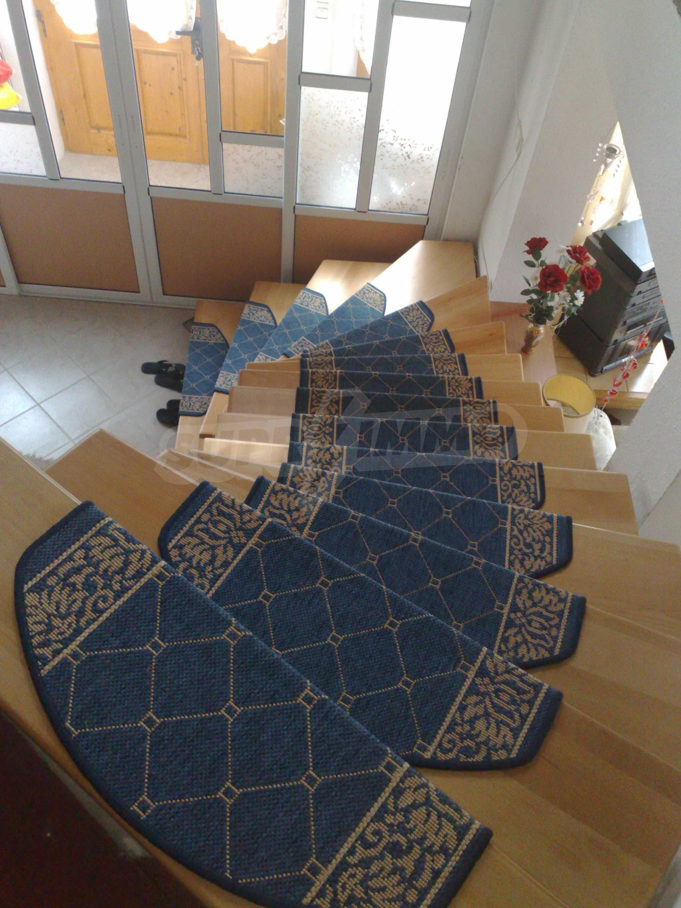 Zweistöckiges, solides und neu gebautes Haus in Gorna Oryahovitsa 8