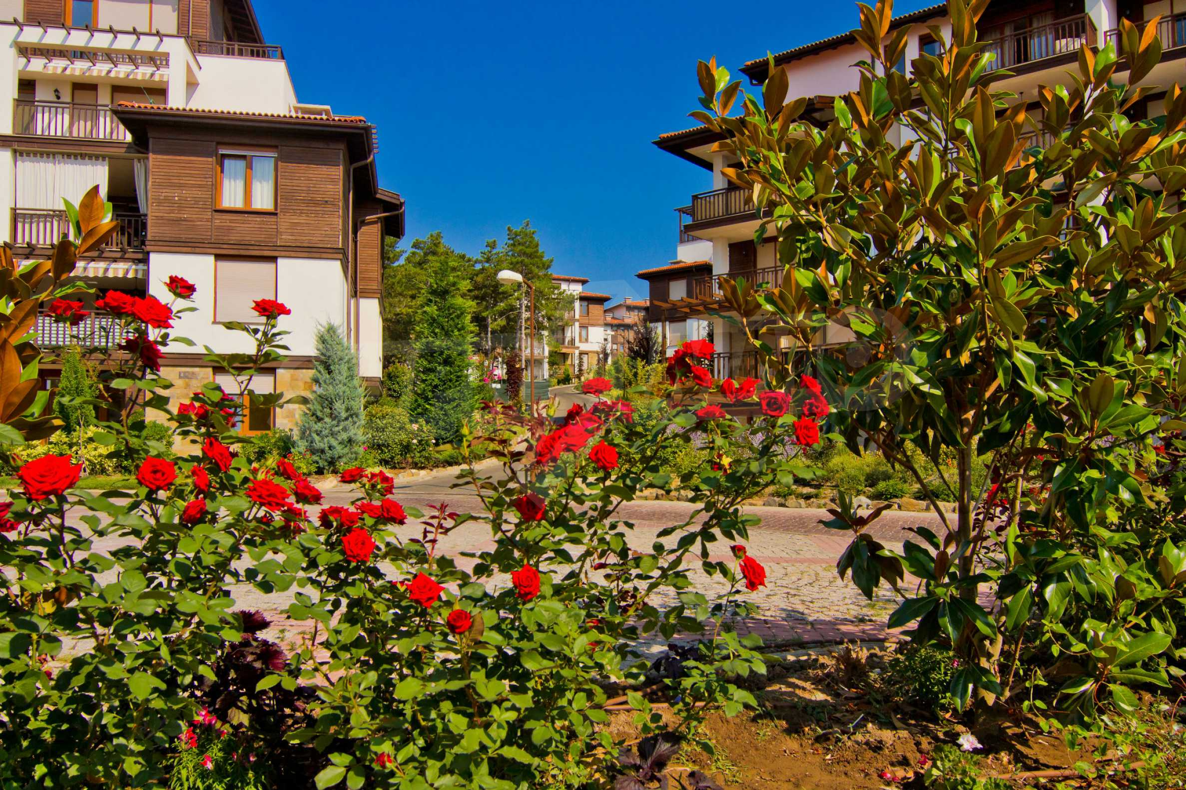 Впечатляващ комплекс с ваканционни жилища в близост до Созопол 16
