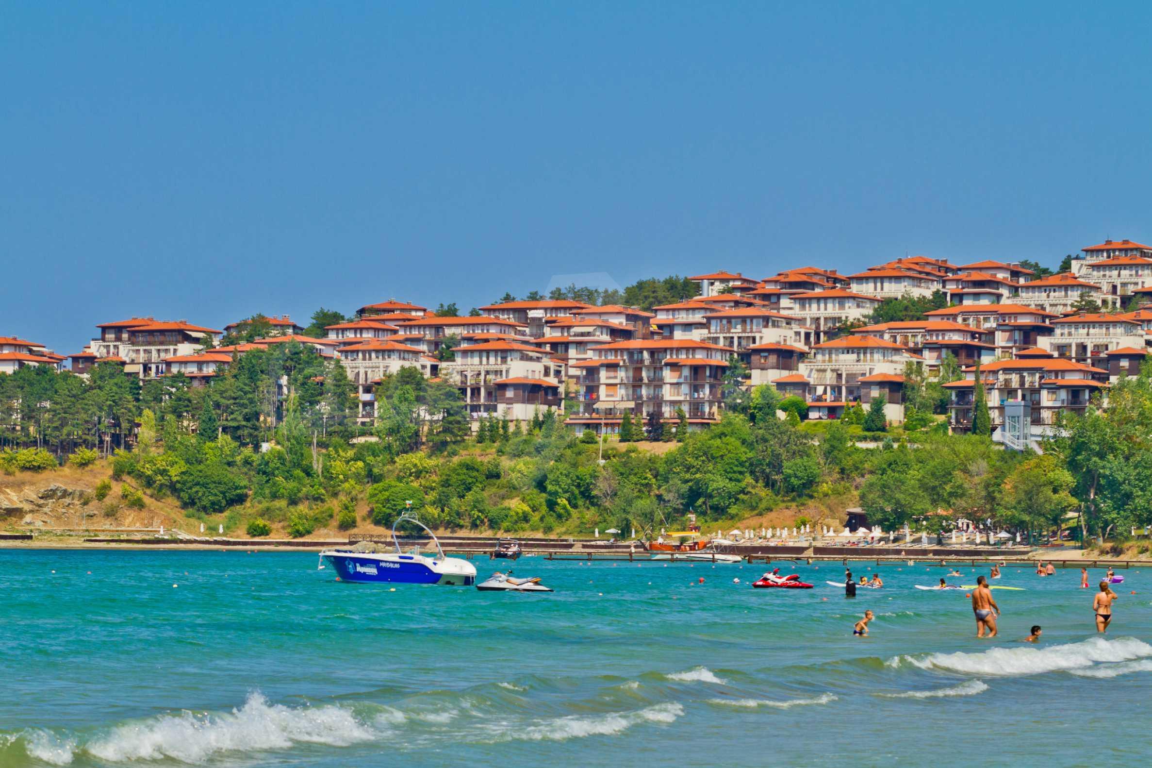 Впечатляващ комплекс с ваканционни жилища в близост до Созопол 26