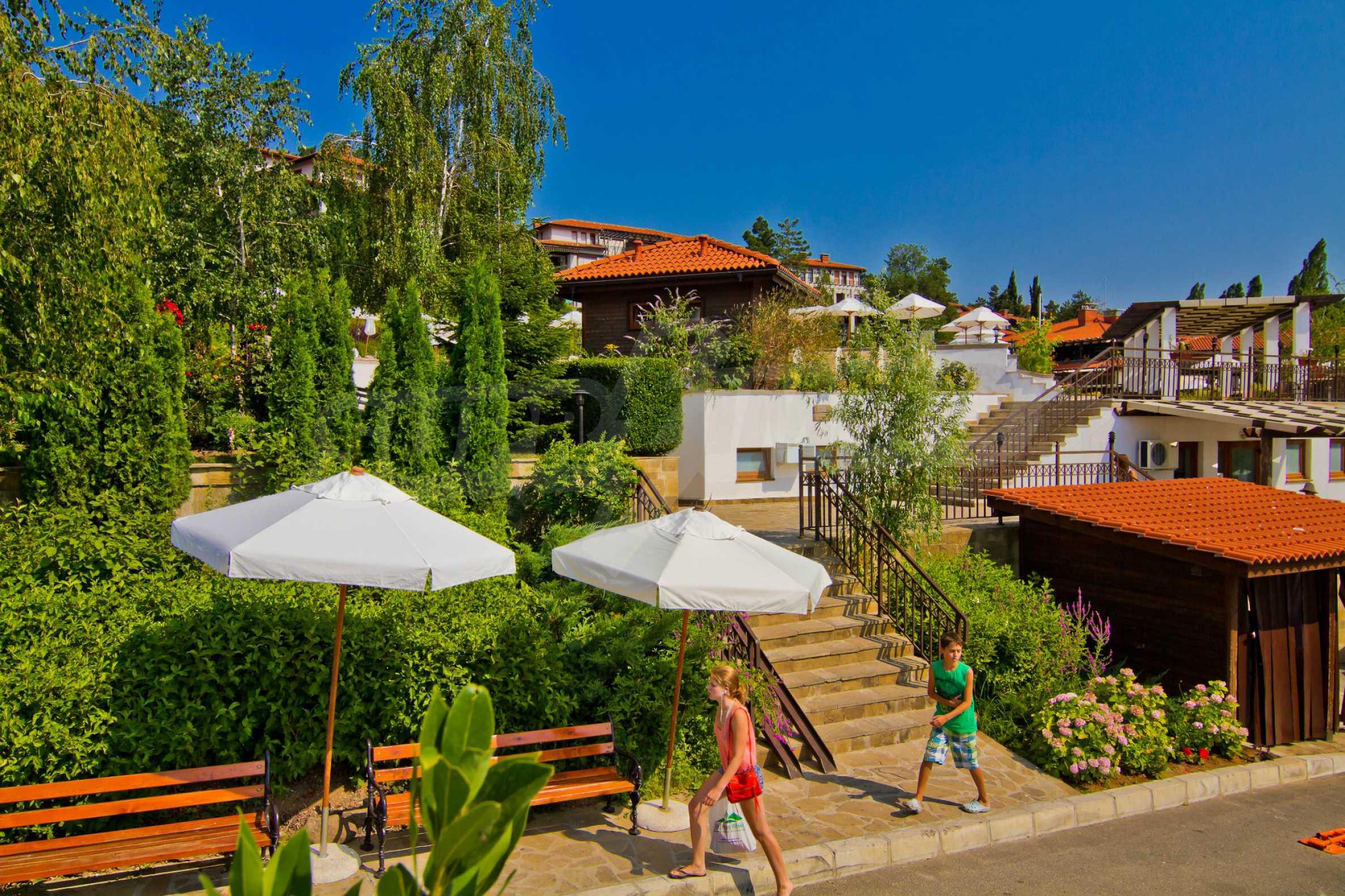 Впечатляващ комплекс с ваканционни жилища в близост до Созопол 28