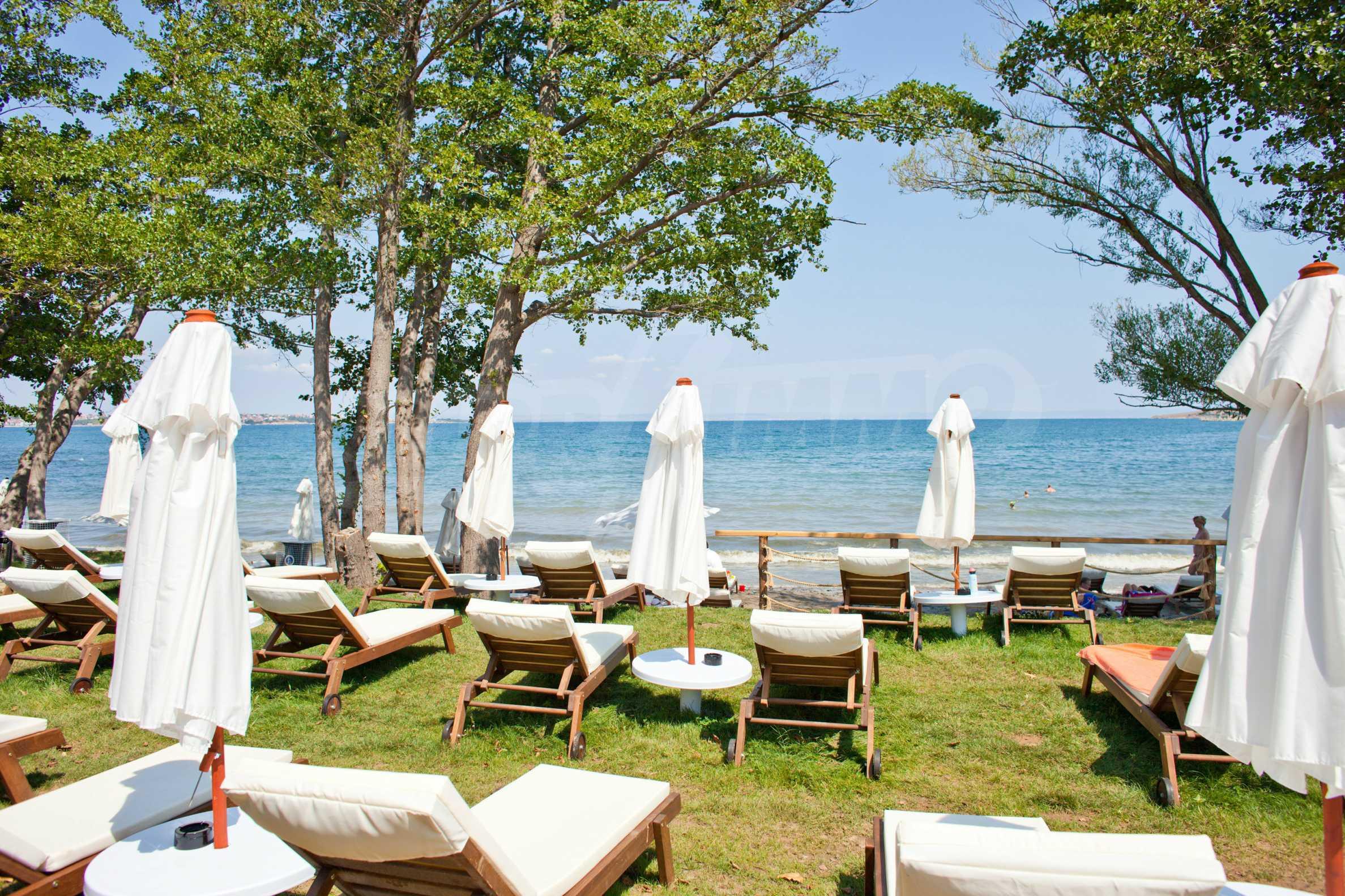Впечатляващ комплекс с ваканционни жилища в близост до Созопол 49