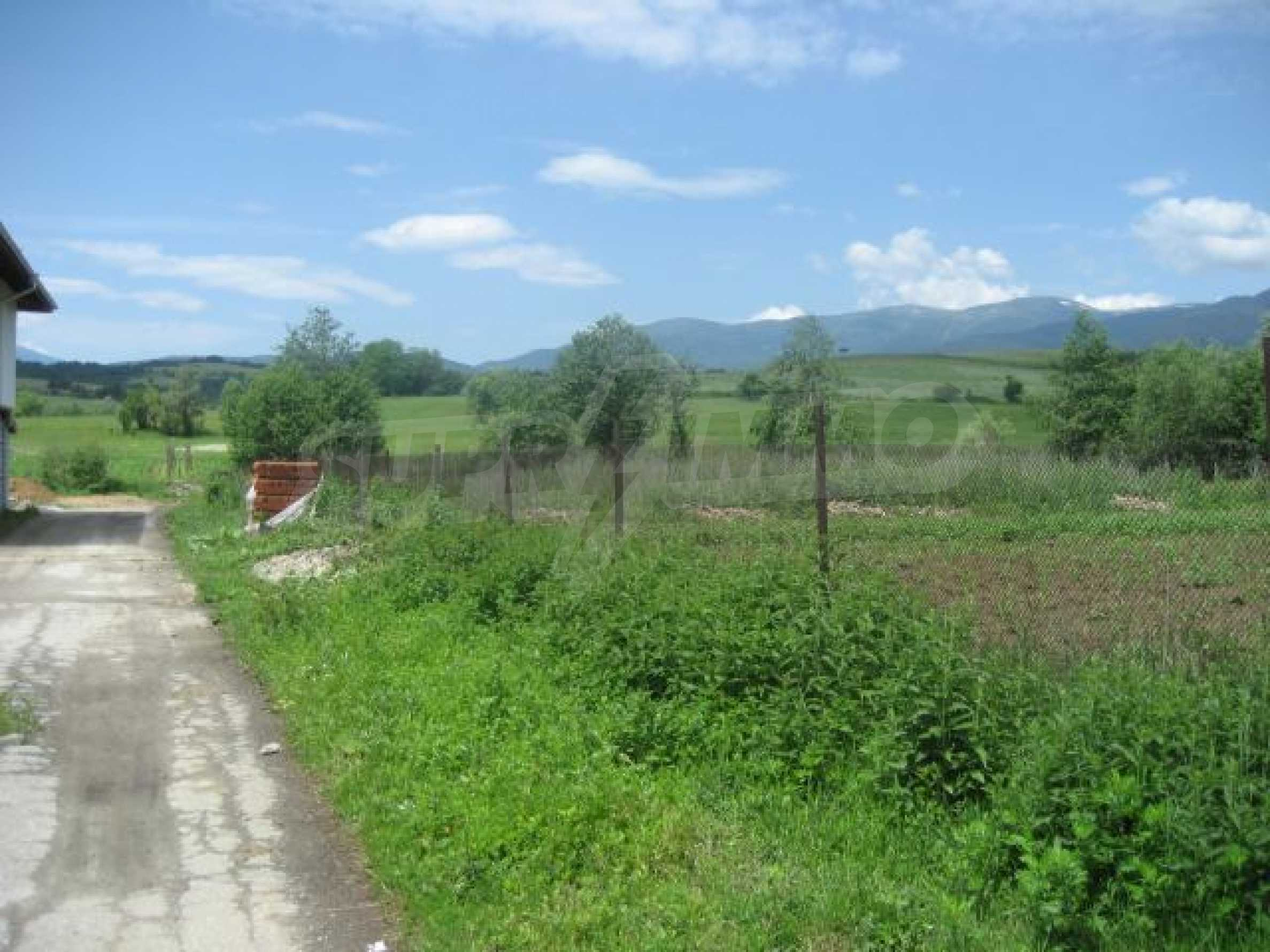 Regulated plot of land in Dolno Draglishte 2