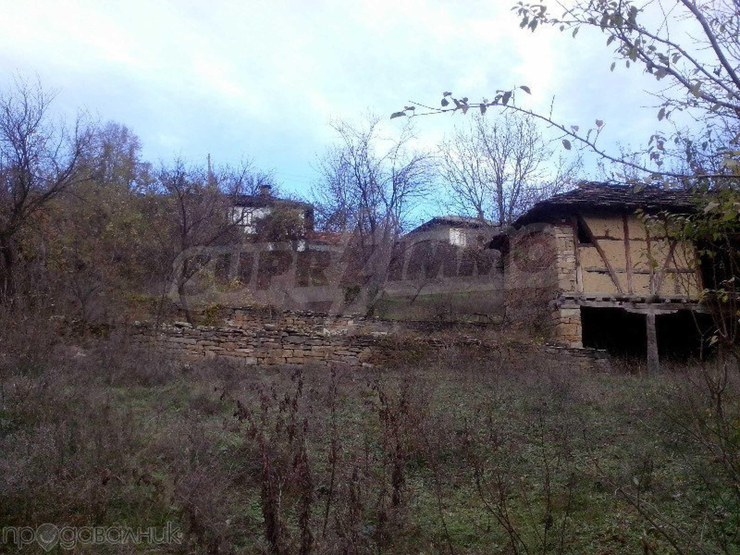 Tolles Grundstück auf dem trojanischen Balkan, 9 km von der Stadt entfernt 6