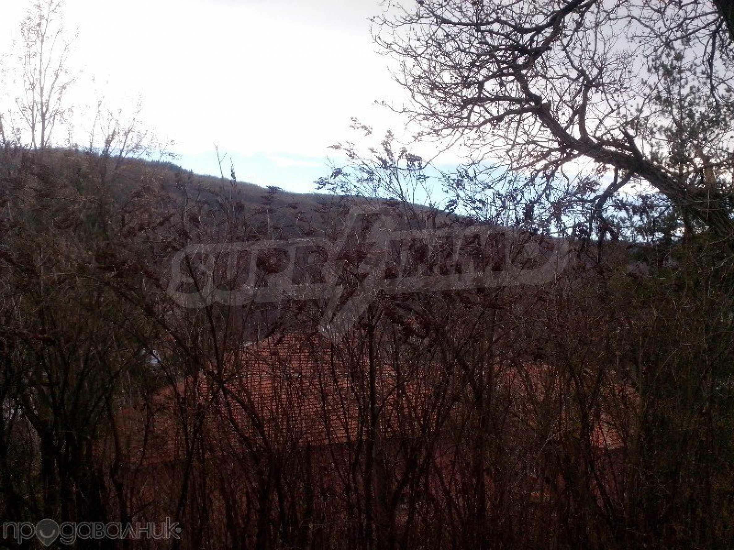 Tolles Grundstück auf dem trojanischen Balkan, 9 km von der Stadt entfernt 8