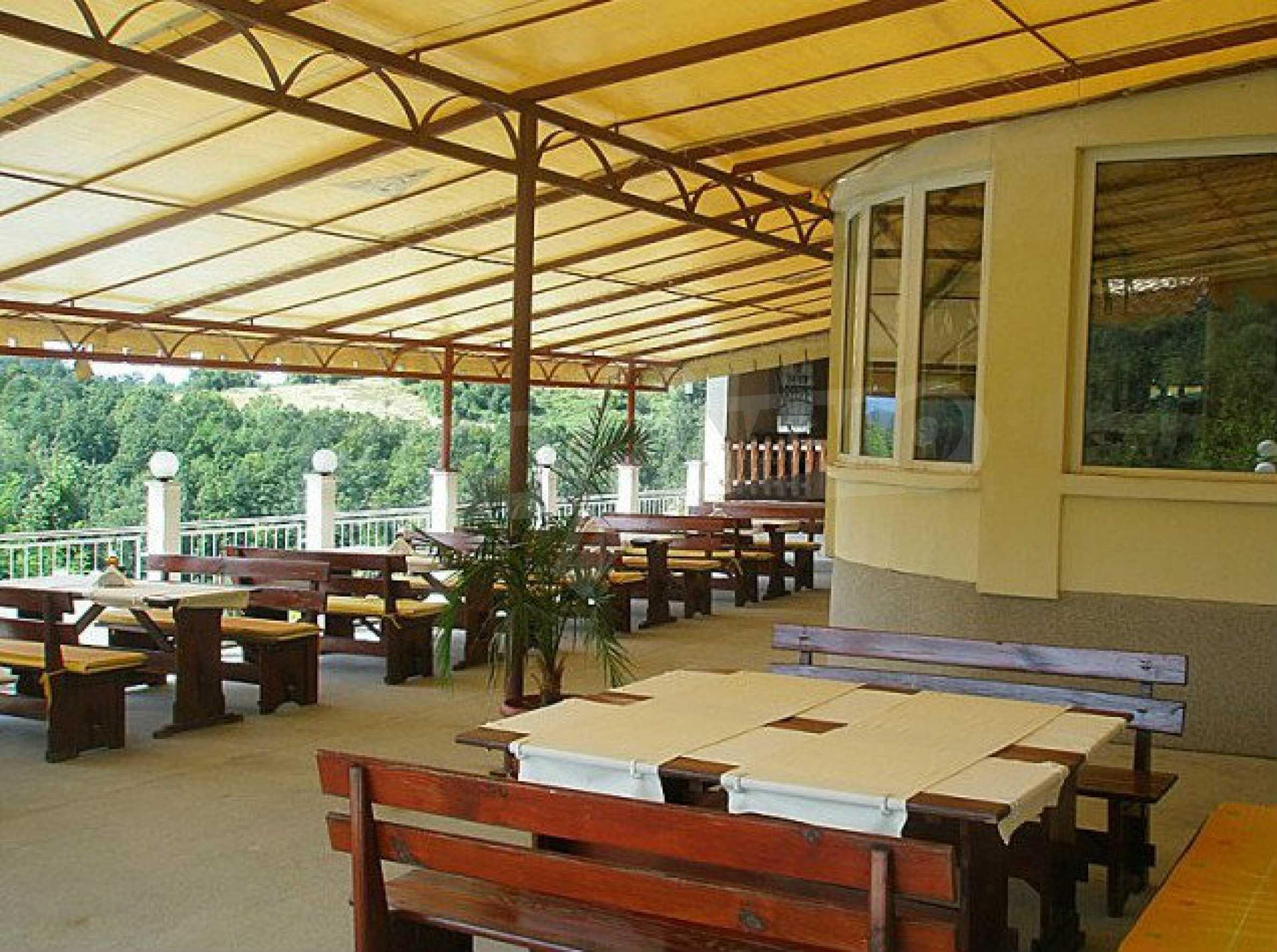 Funktionierendes Hotel mit Pool im Herzen von Stara Planina 9