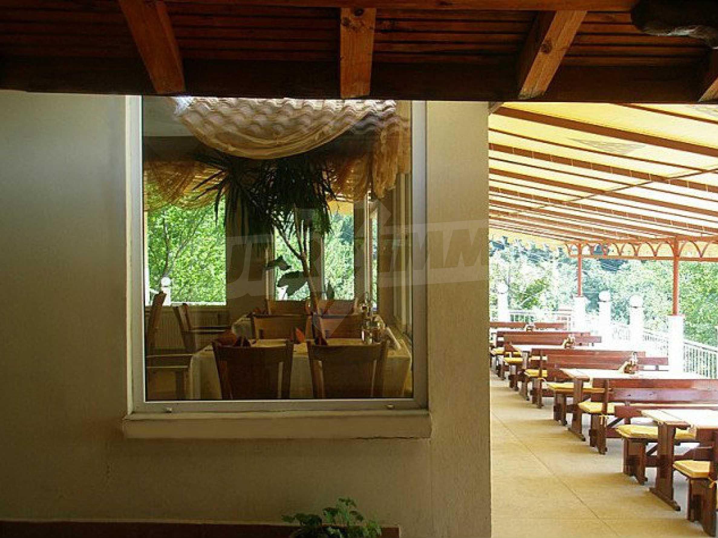 Funktionierendes Hotel mit Pool im Herzen von Stara Planina 13