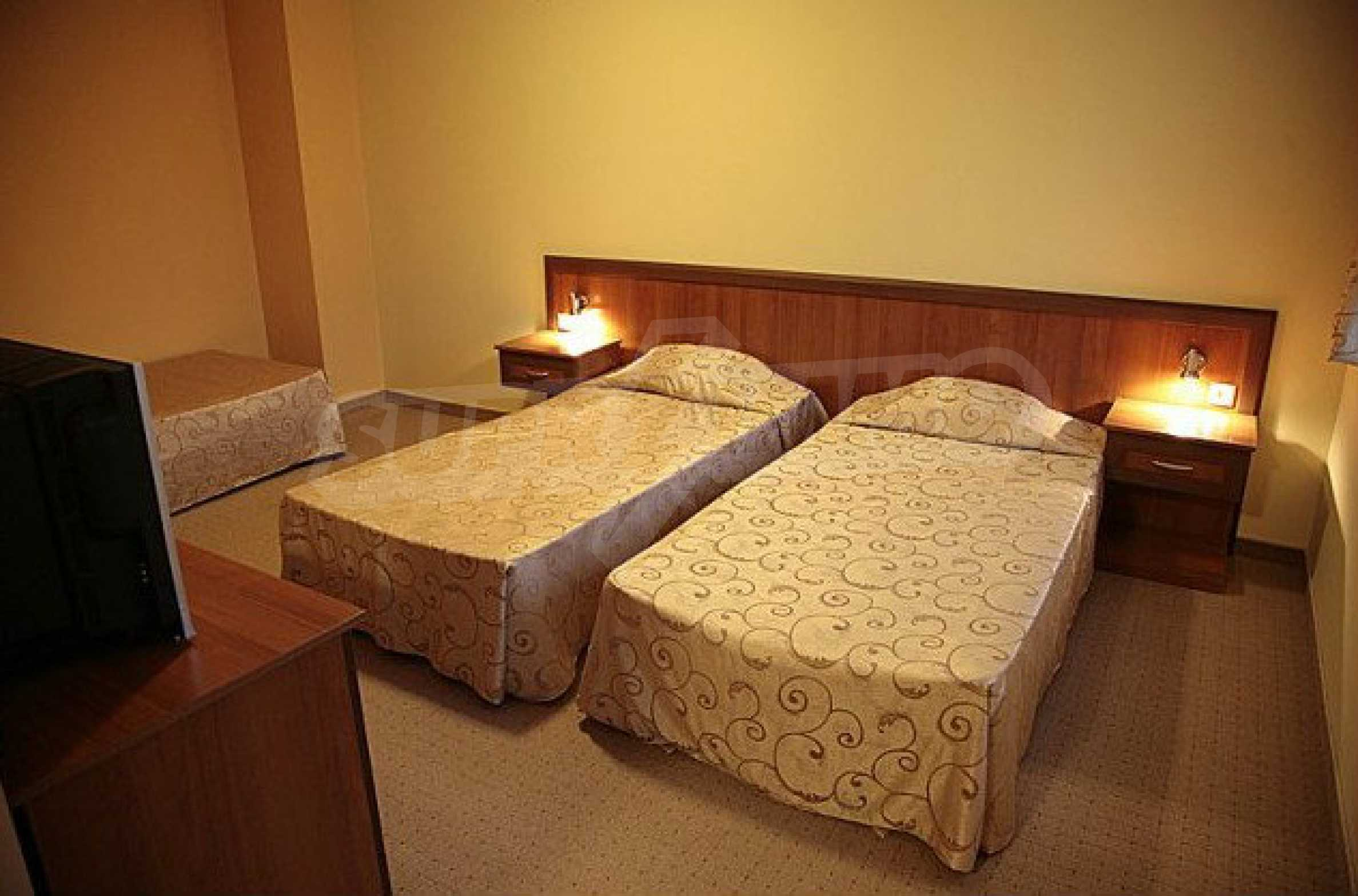 Operating hotel with pool in the heart of Stara Planina Mountain 21