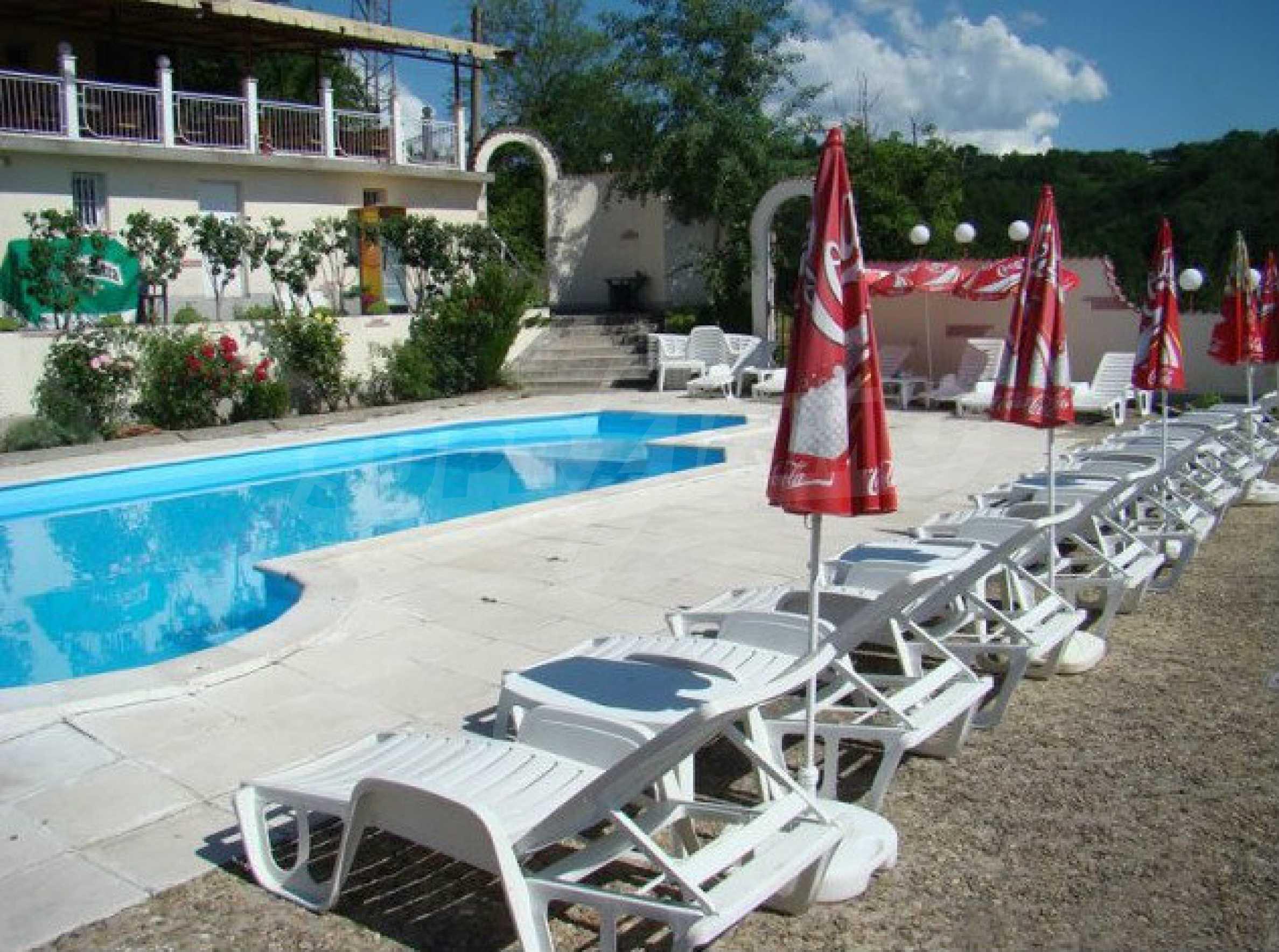 Funktionierendes Hotel mit Pool im Herzen von Stara Planina 5
