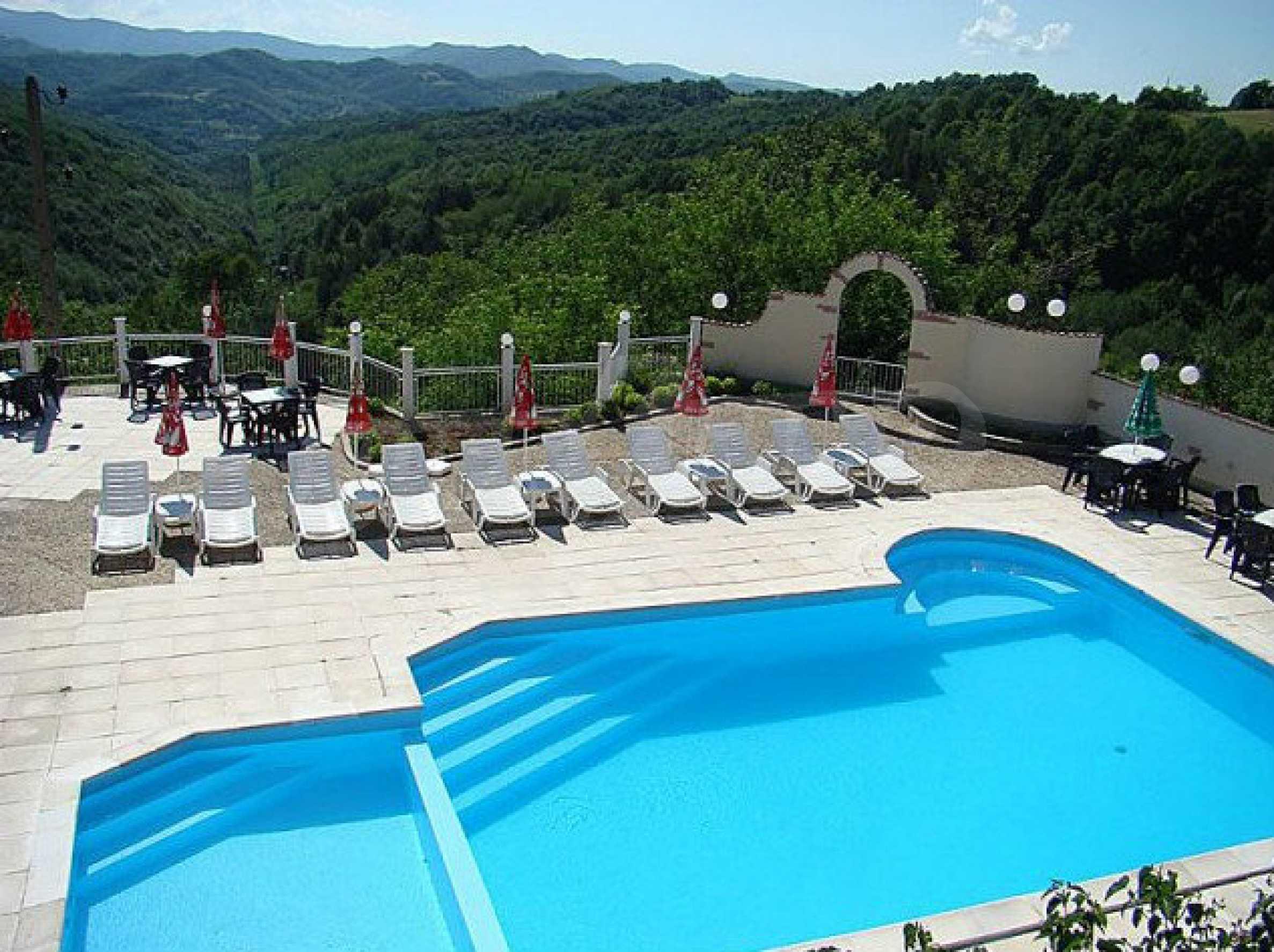 Funktionierendes Hotel mit Pool im Herzen von Stara Planina 6