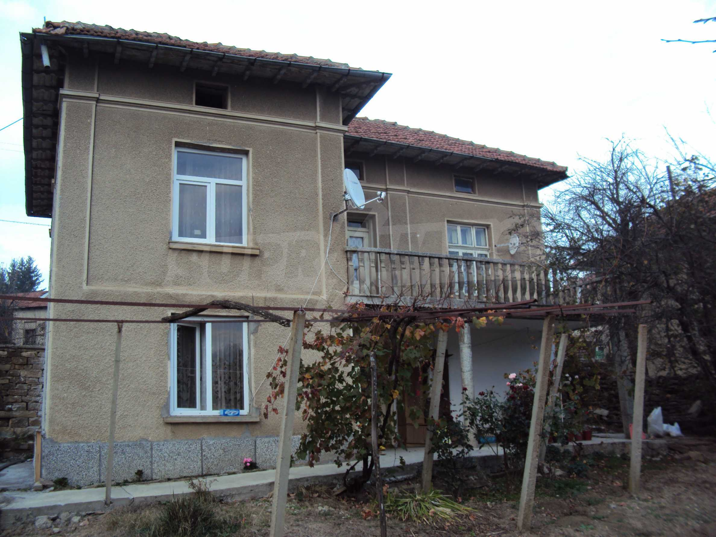 Renovated house with a large garden in a village near Veliko Tarnovo