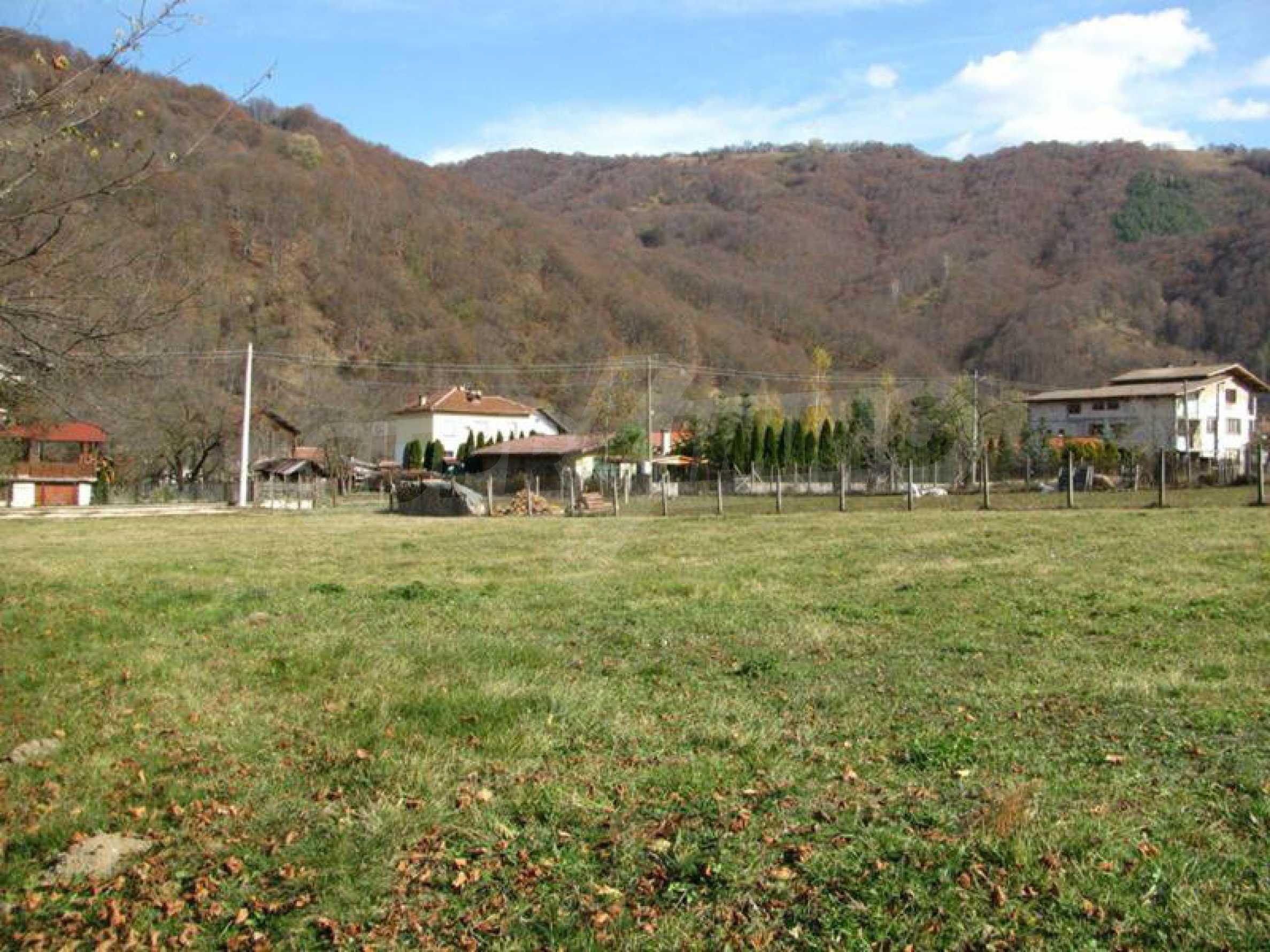 Geregeltes Grundstück im Zentrum von Ribaritsa, in der Nähe von Wald und Fluss 2
