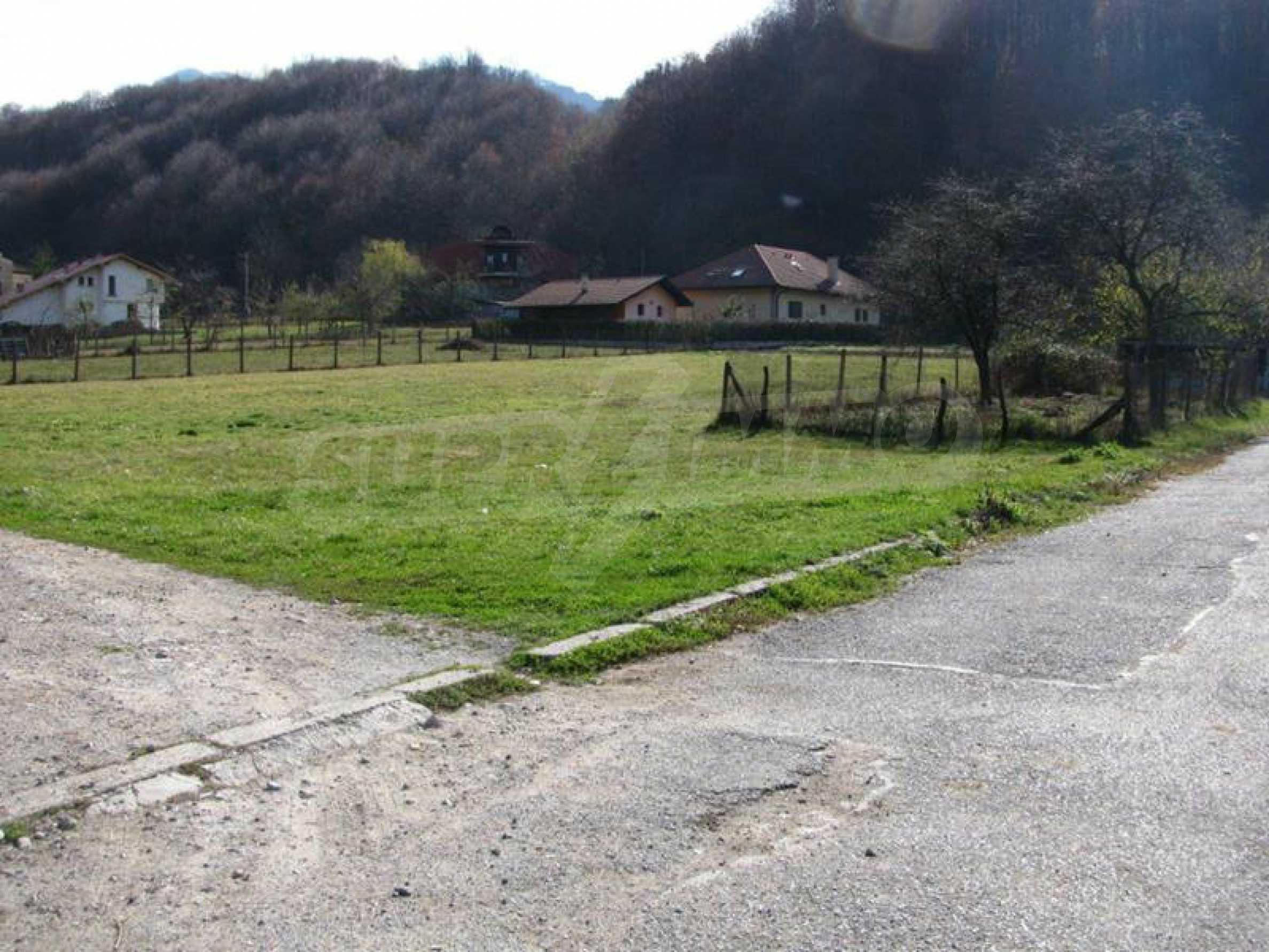 Geregeltes Grundstück im Zentrum von Ribaritsa, in der Nähe von Wald und Fluss 3