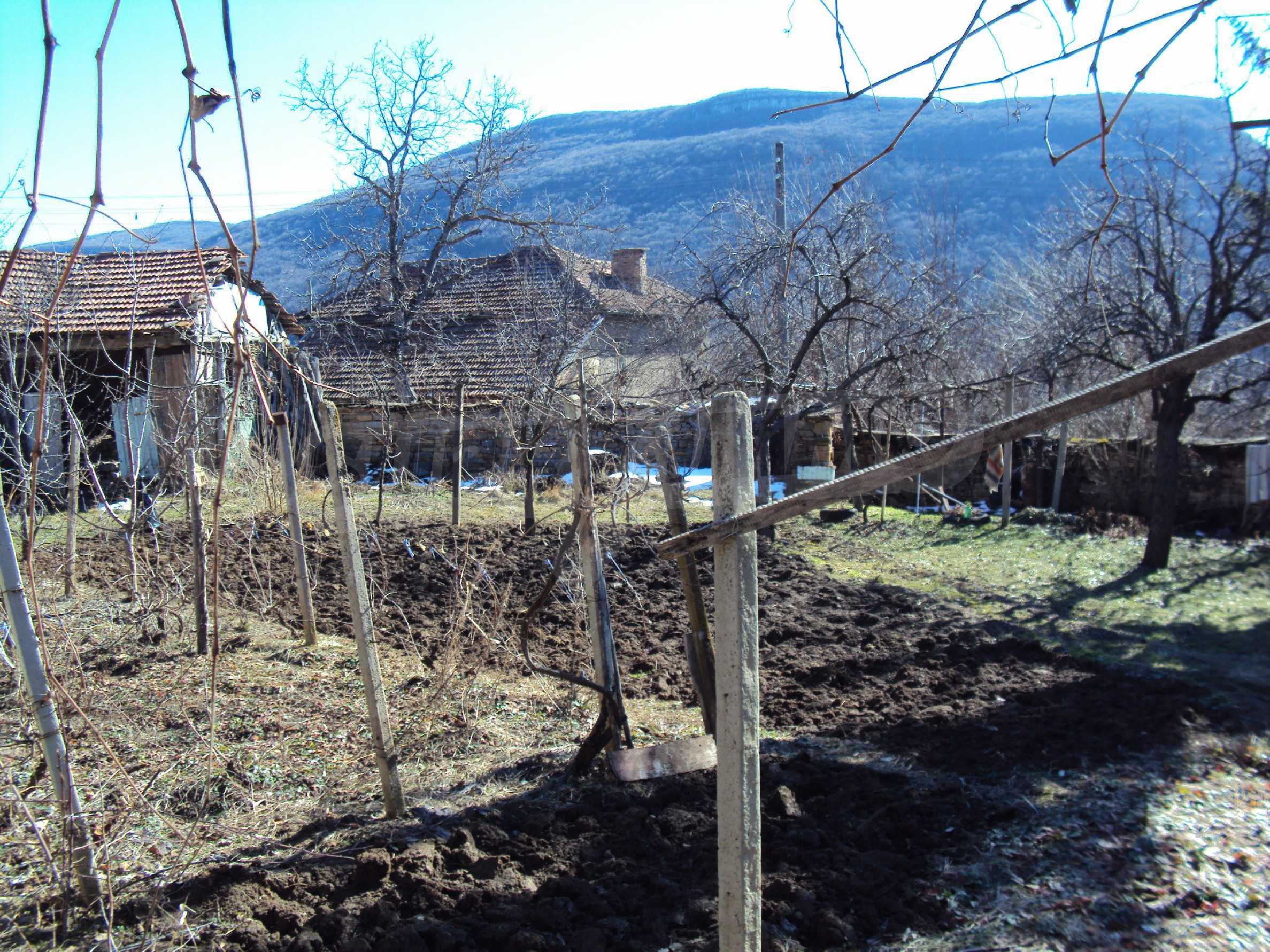 Landhaus mit großem Garten 17 km. von Dryanovo 21