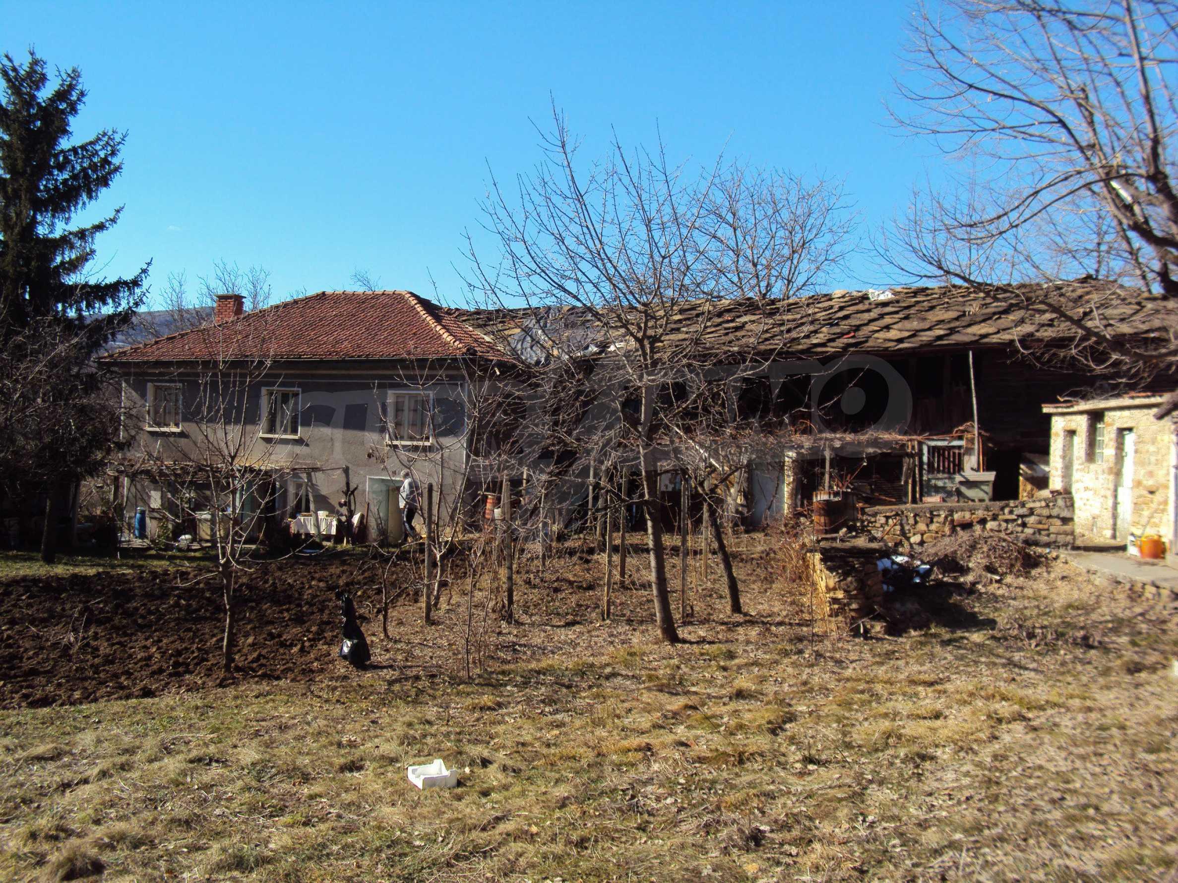 Landhaus mit großem Garten 17 km. von Dryanovo 3