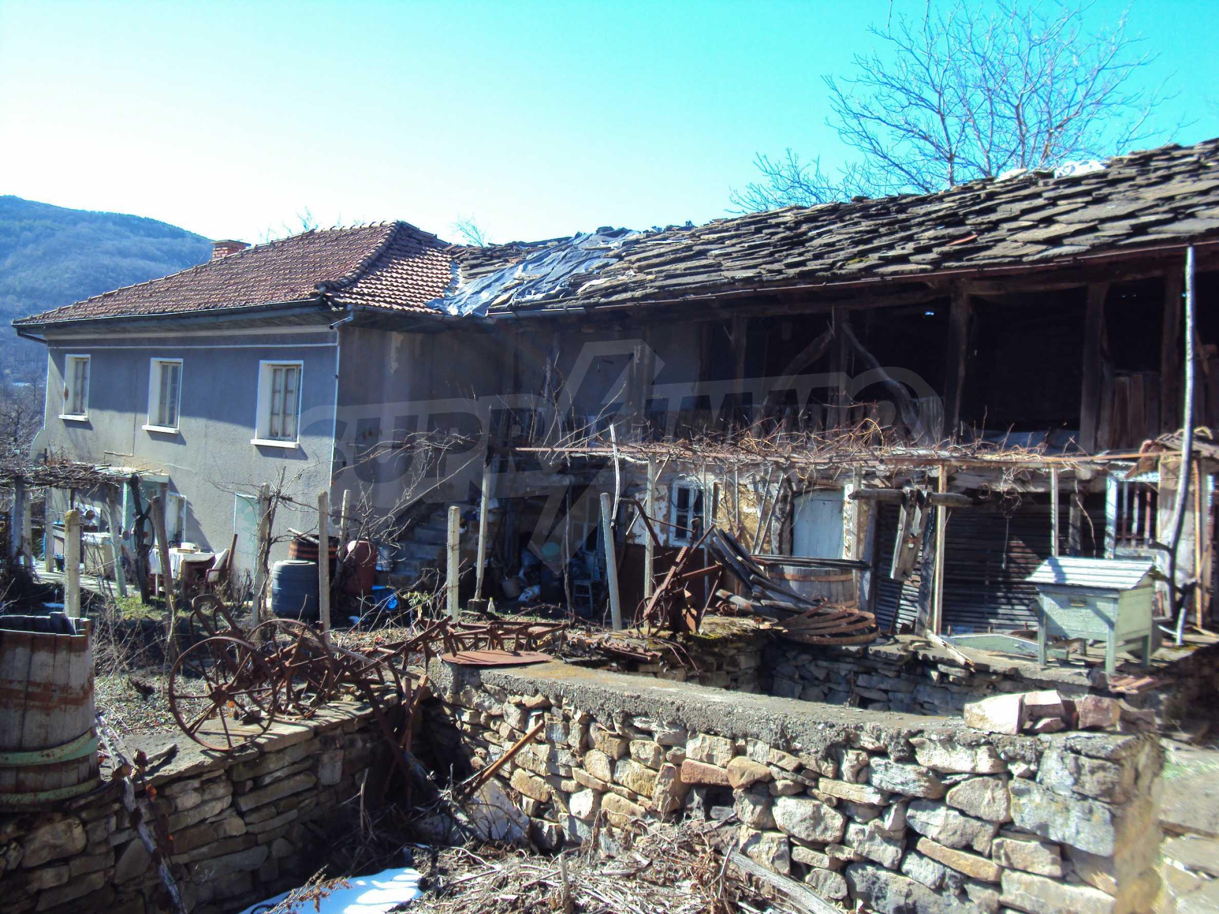 Landhaus mit großem Garten 17 km. von Dryanovo 6