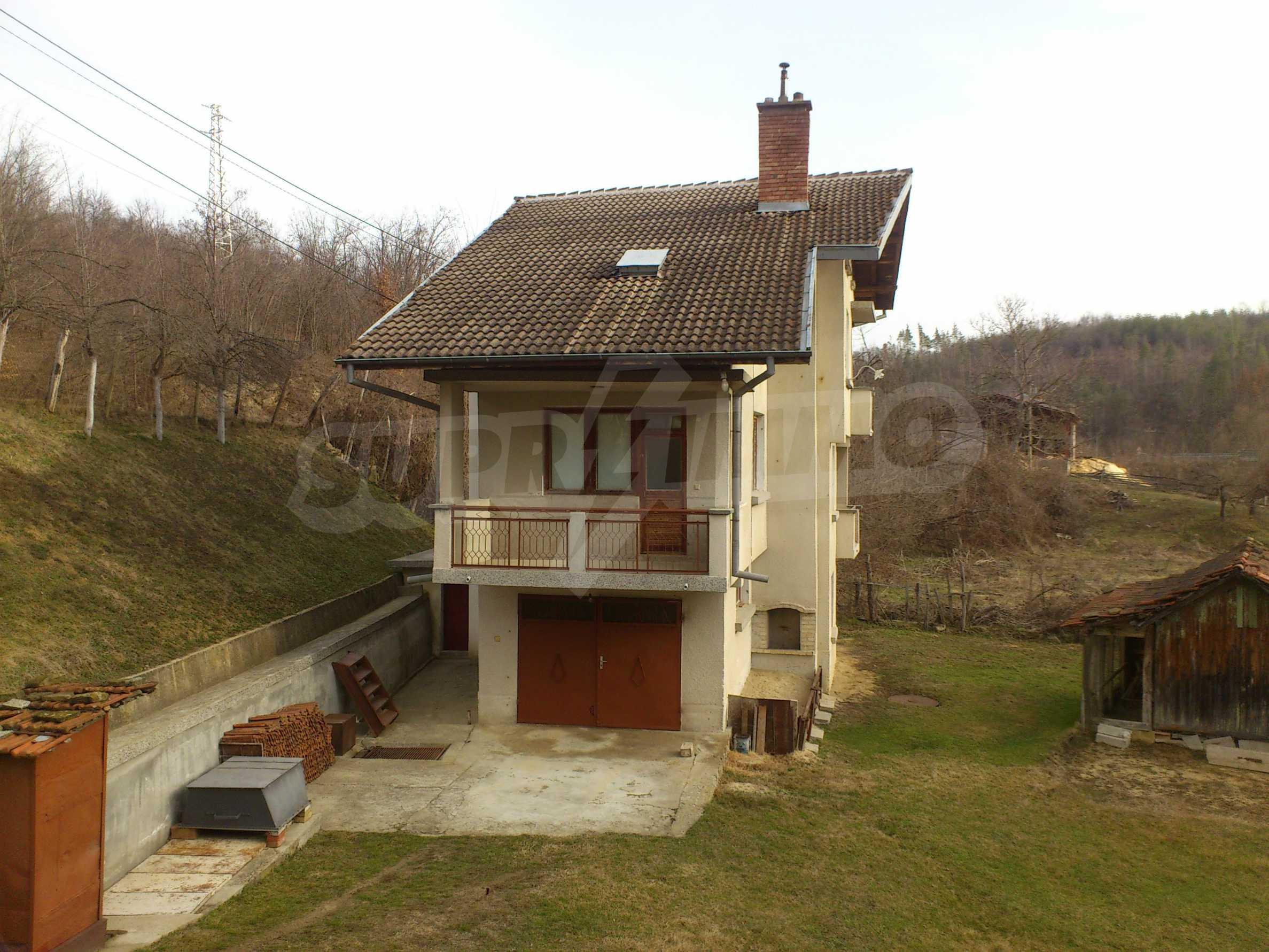 Dreistöckige Villa mit Garage am Flussufer und 32 km von Veliko Tarnovo entfernt 9