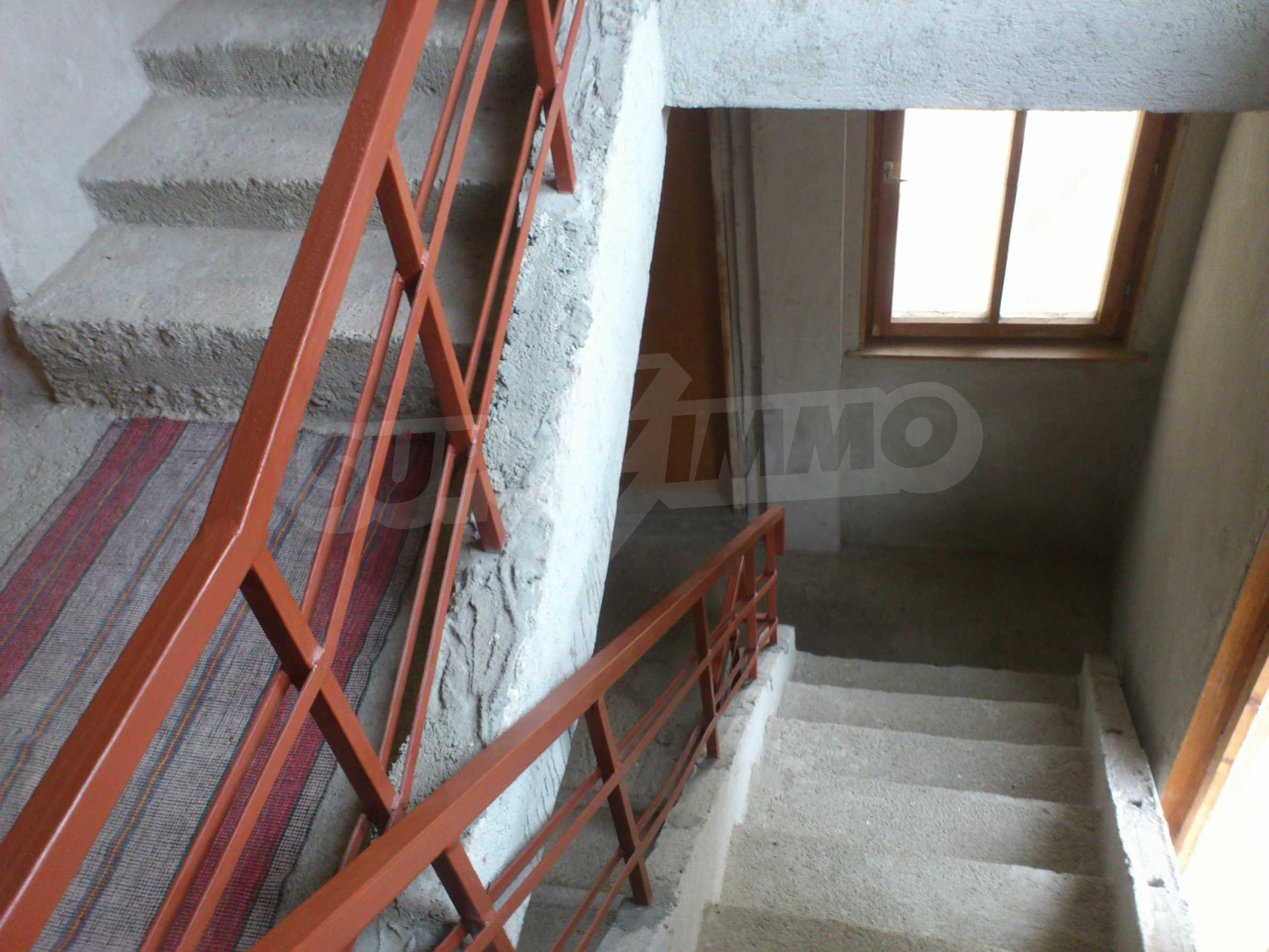 Dreistöckige Villa mit Garage am Flussufer und 32 km von Veliko Tarnovo entfernt 13