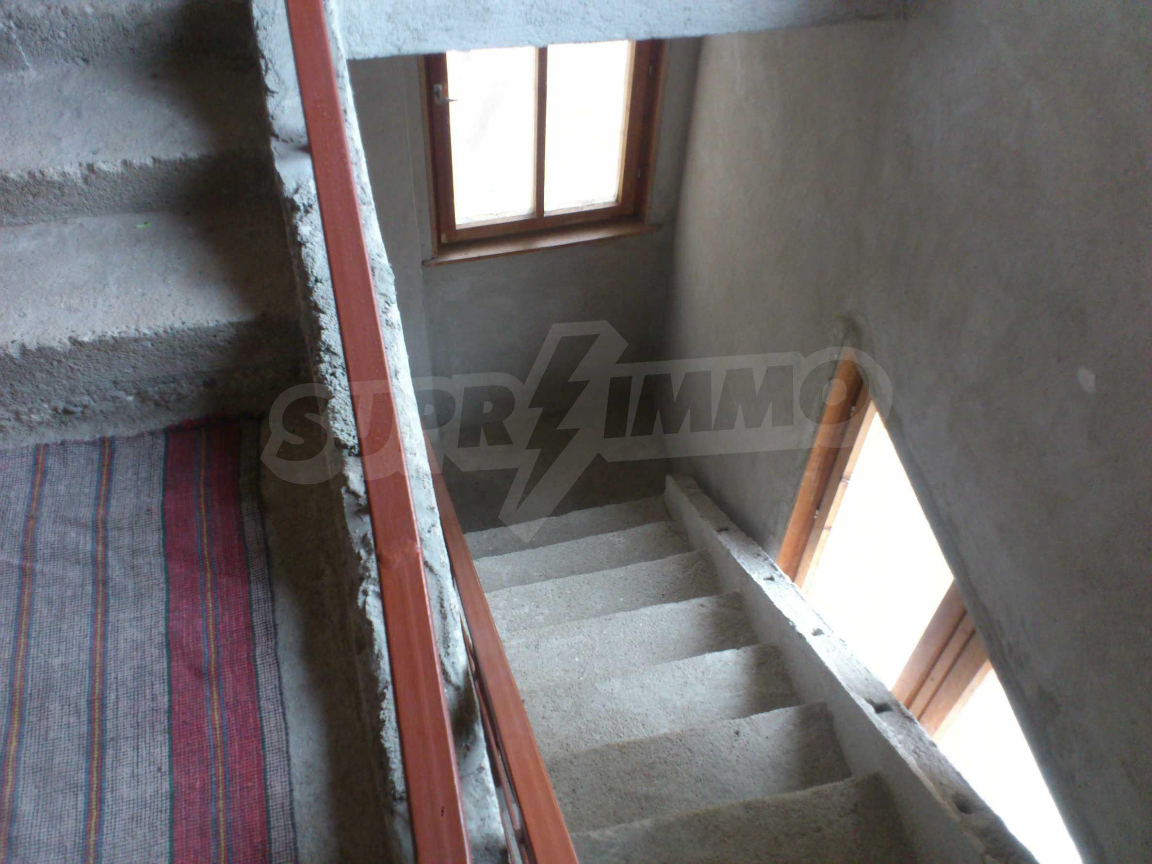 Dreistöckige Villa mit Garage am Flussufer und 32 km von Veliko Tarnovo entfernt 14