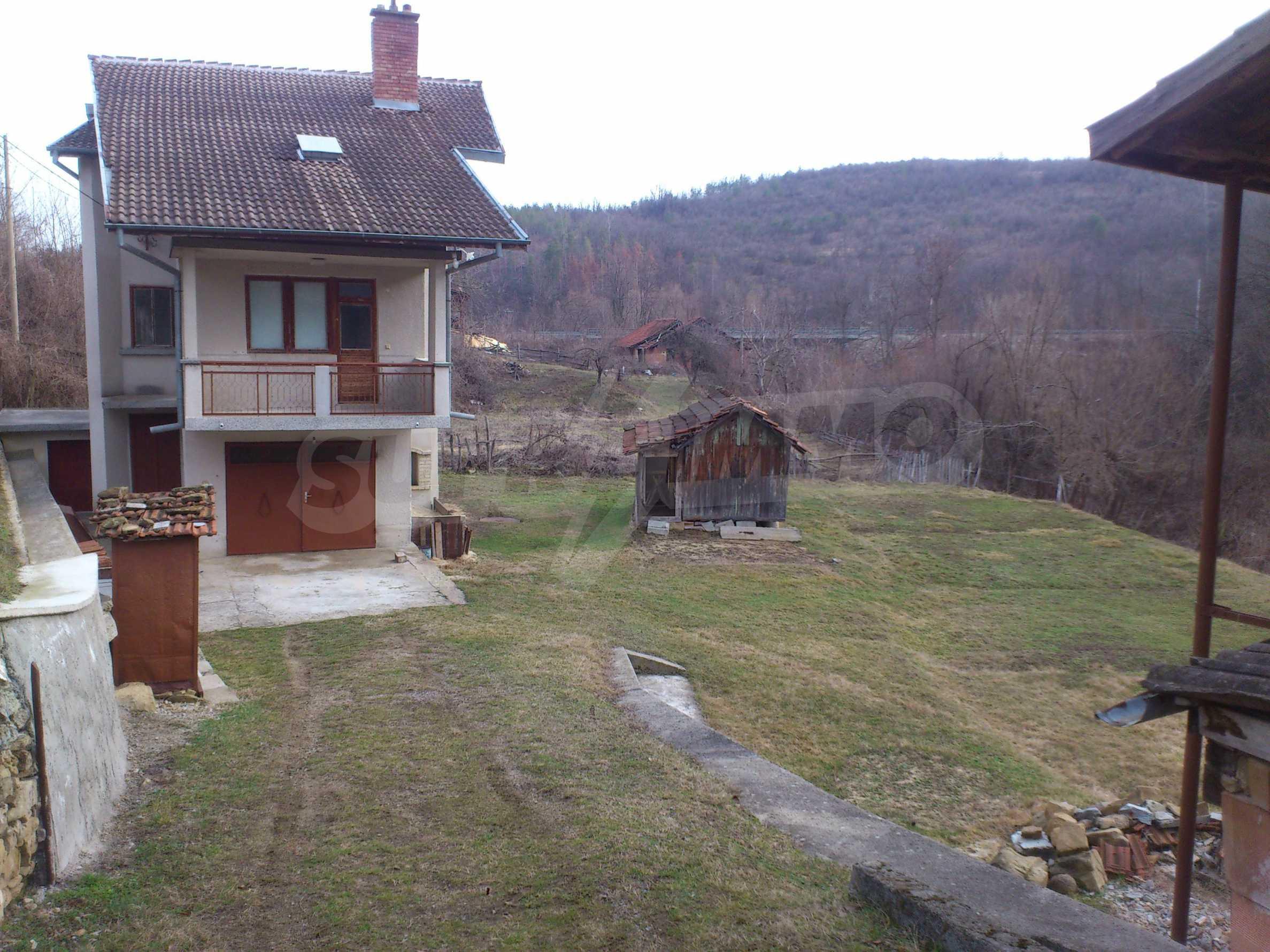 Dreistöckige Villa mit Garage am Flussufer und 32 km von Veliko Tarnovo entfernt 25