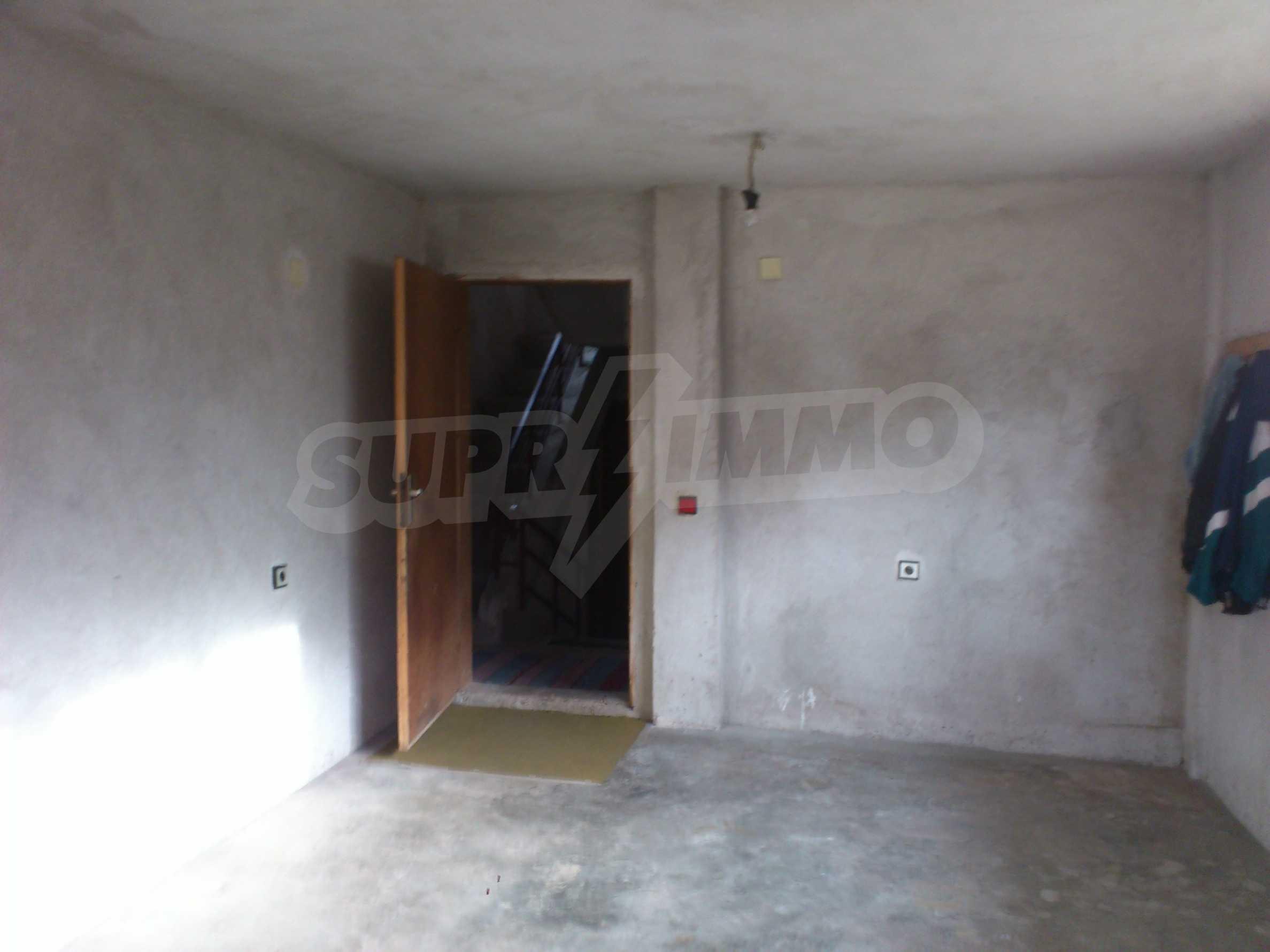 Dreistöckige Villa mit Garage am Flussufer und 32 km von Veliko Tarnovo entfernt 35
