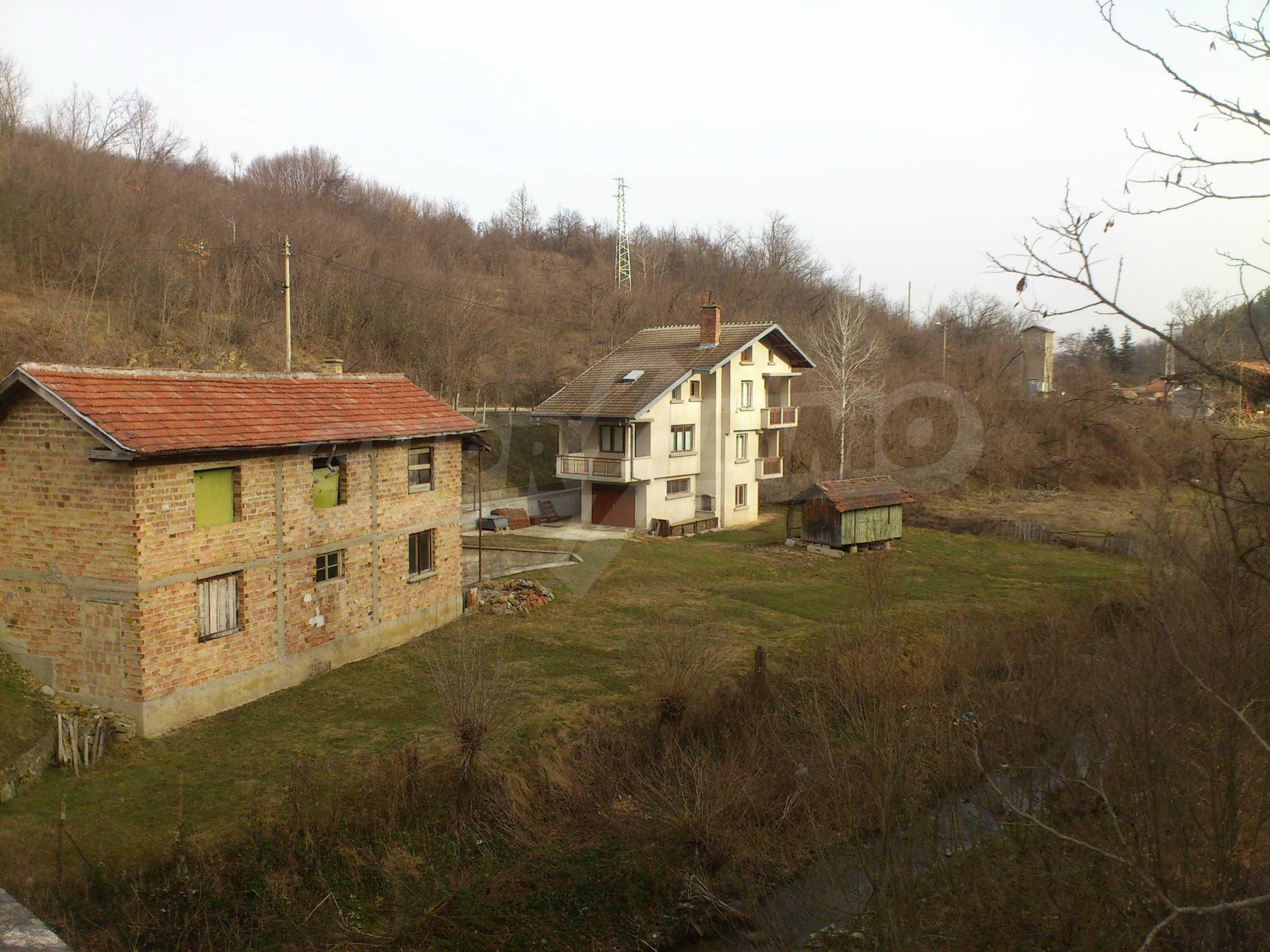 Dreistöckige Villa mit Garage am Flussufer und 32 km von Veliko Tarnovo entfernt 3