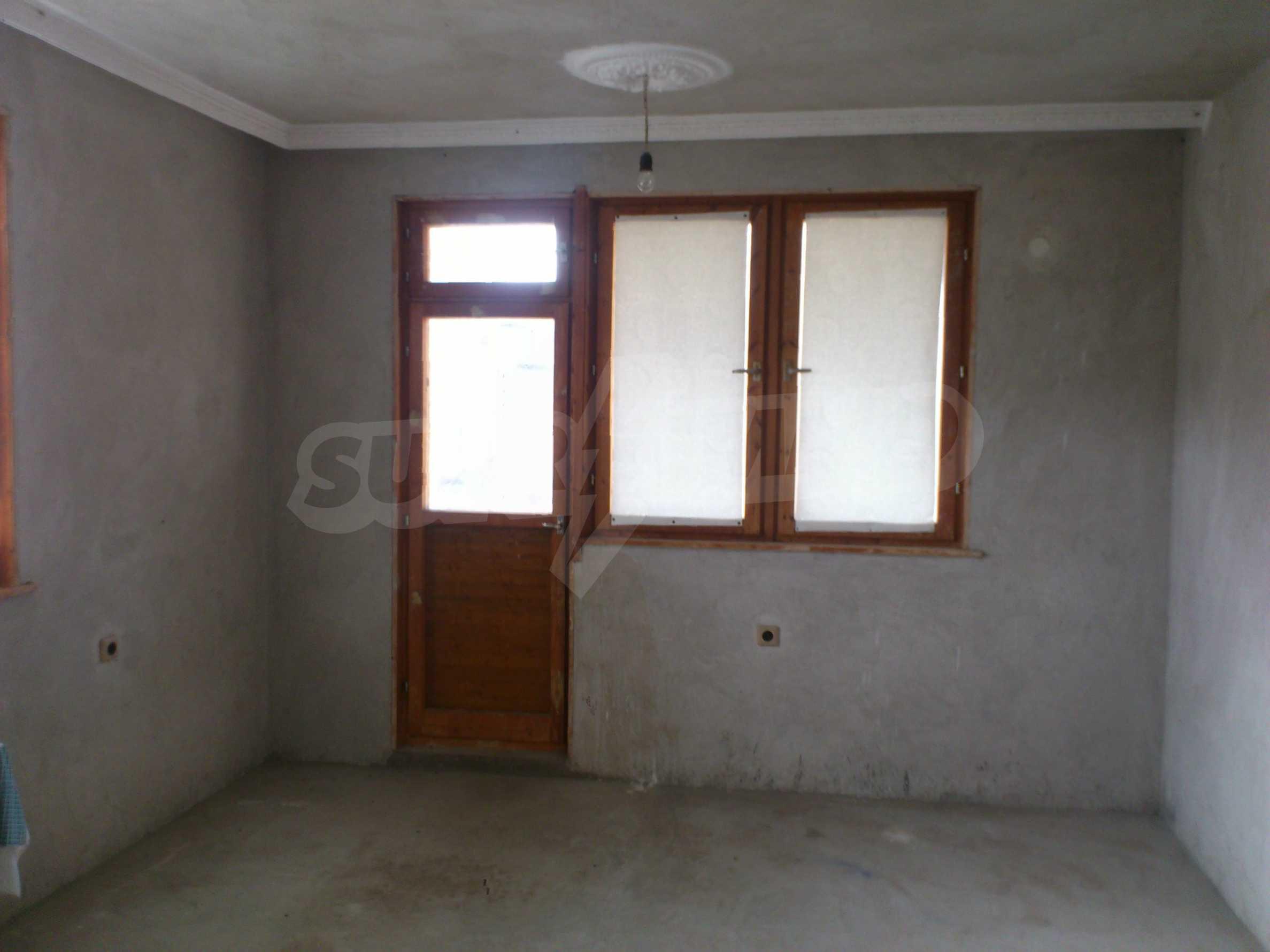 Dreistöckige Villa mit Garage am Flussufer und 32 km von Veliko Tarnovo entfernt 43