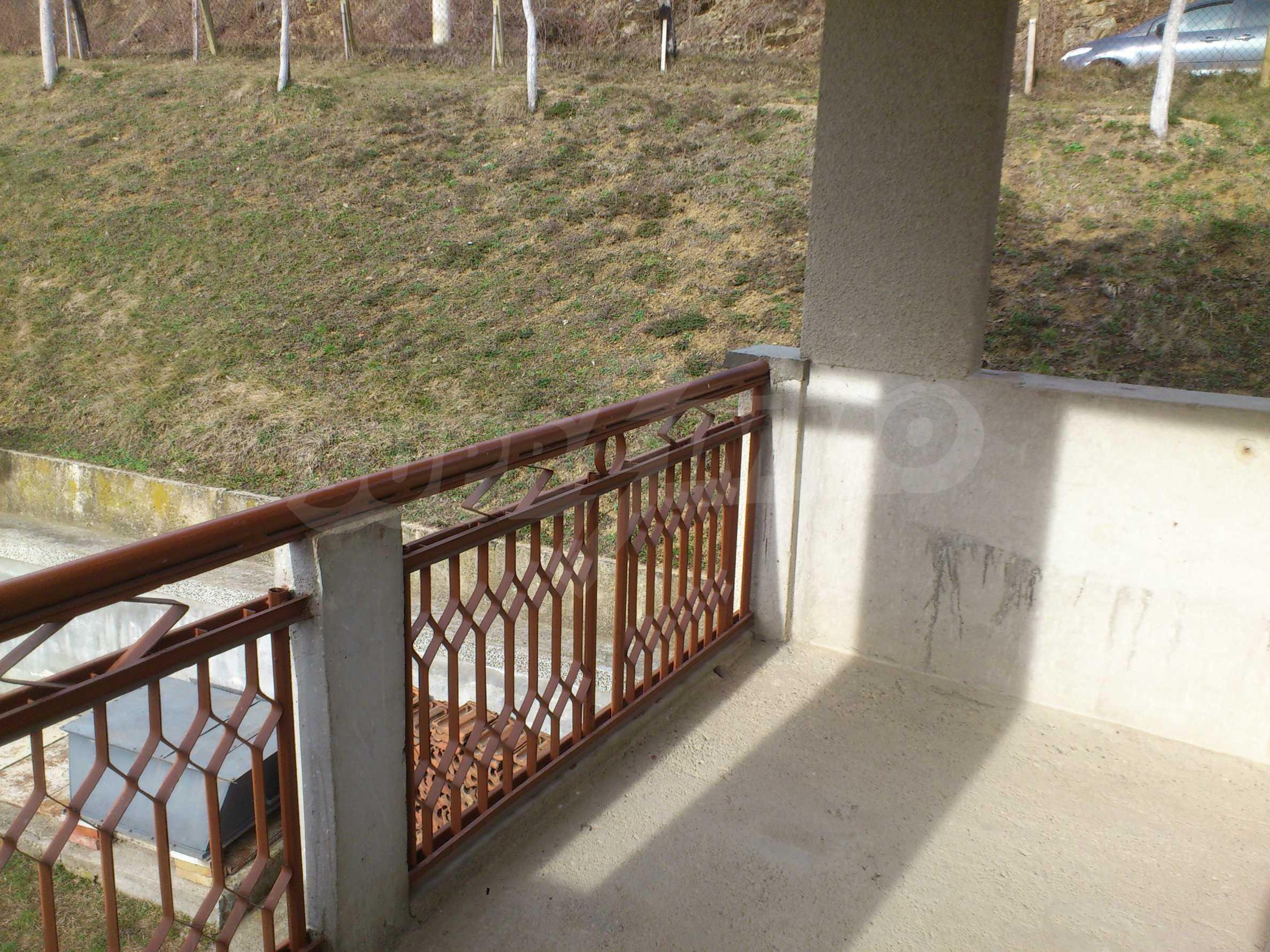 Dreistöckige Villa mit Garage am Flussufer und 32 km von Veliko Tarnovo entfernt 46