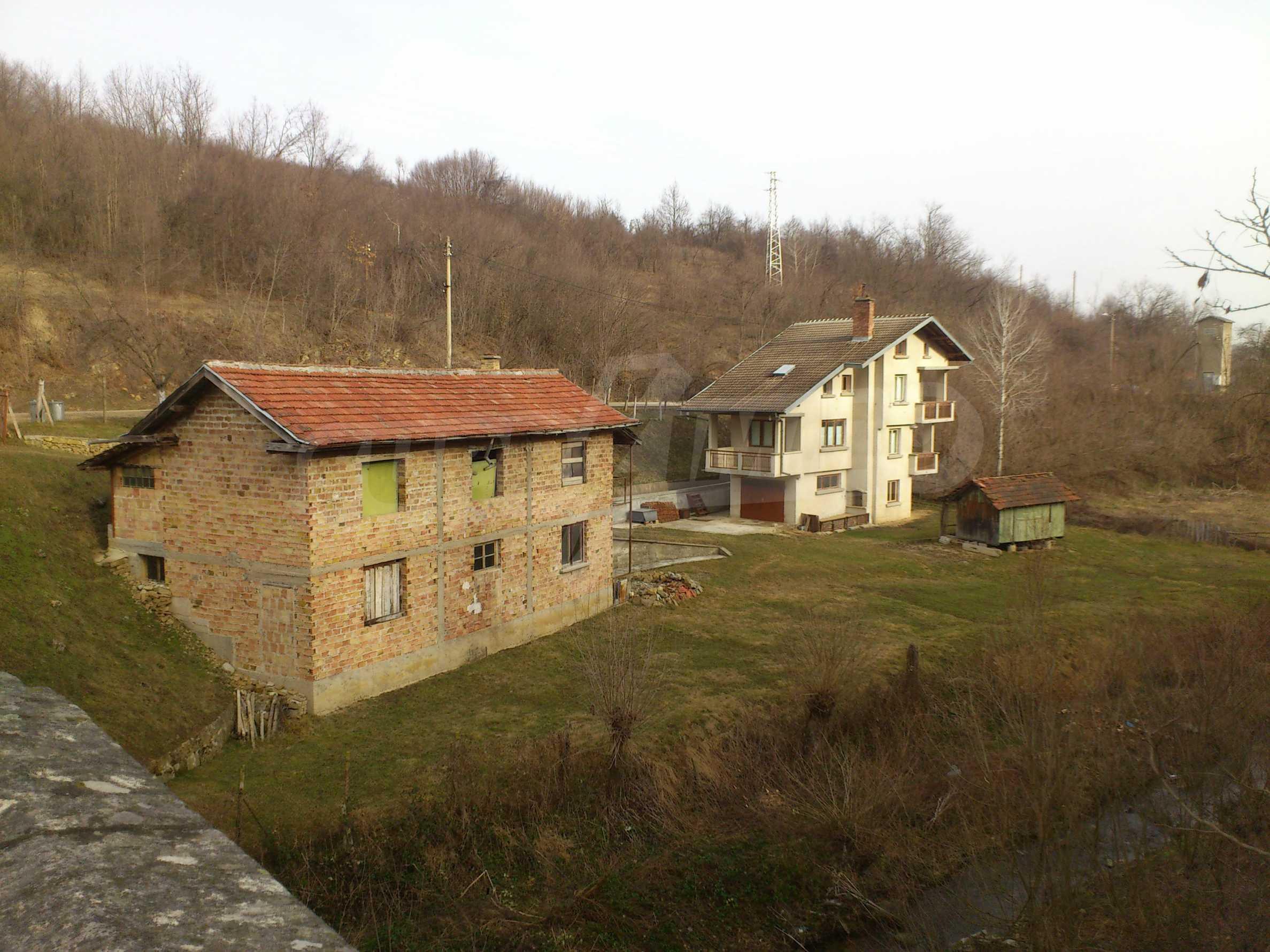 Dreistöckige Villa mit Garage am Flussufer und 32 km von Veliko Tarnovo entfernt 4