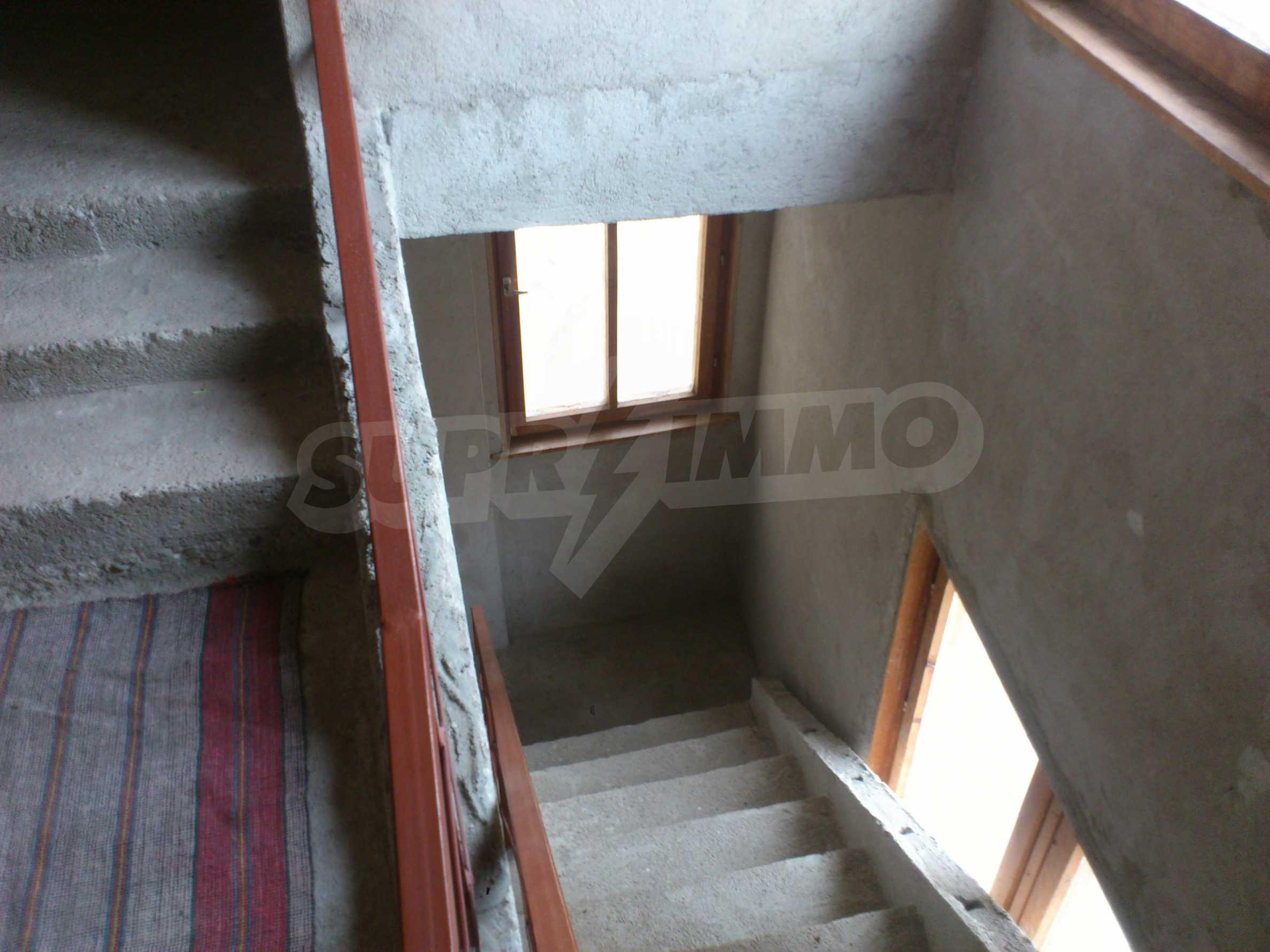 Dreistöckige Villa mit Garage am Flussufer und 32 km von Veliko Tarnovo entfernt 53