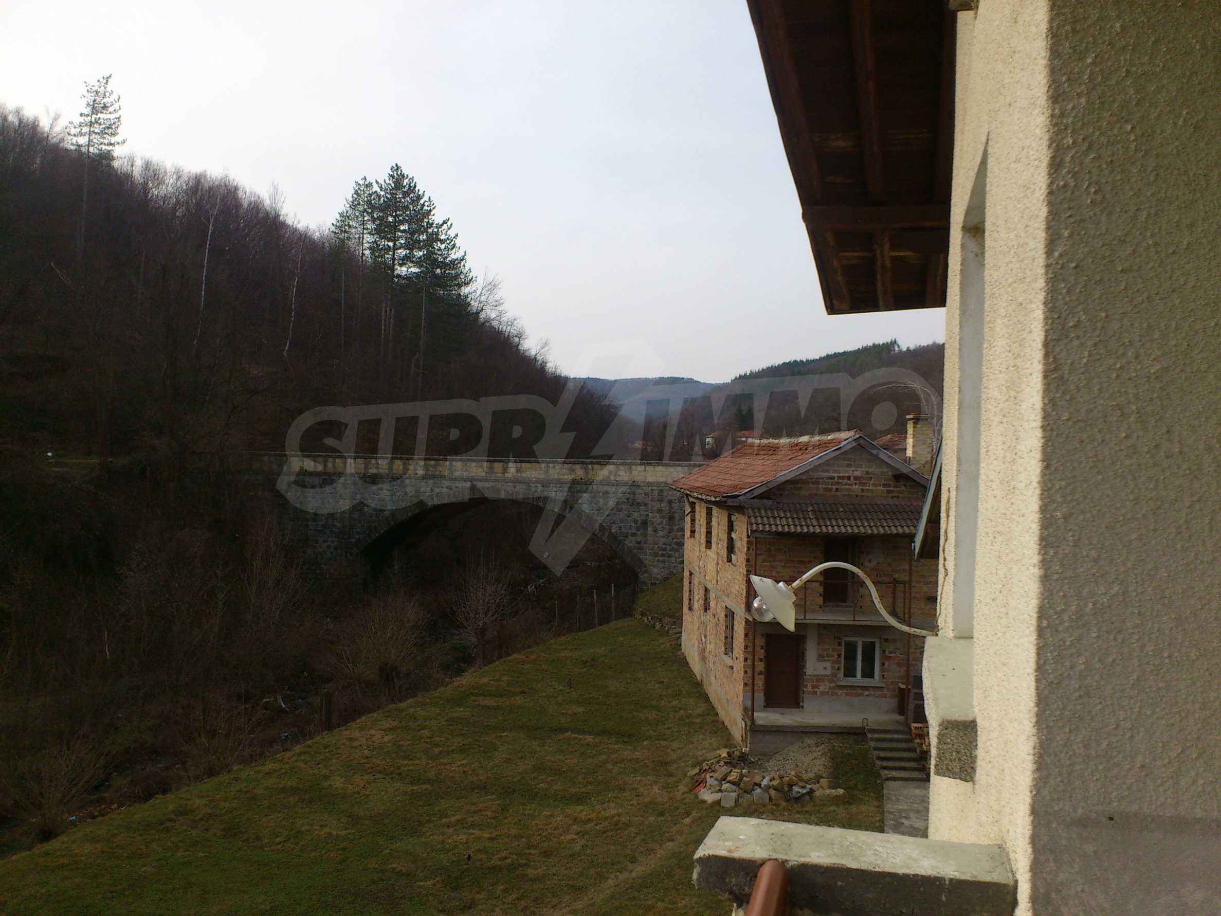 Dreistöckige Villa mit Garage am Flussufer und 32 km von Veliko Tarnovo entfernt 55