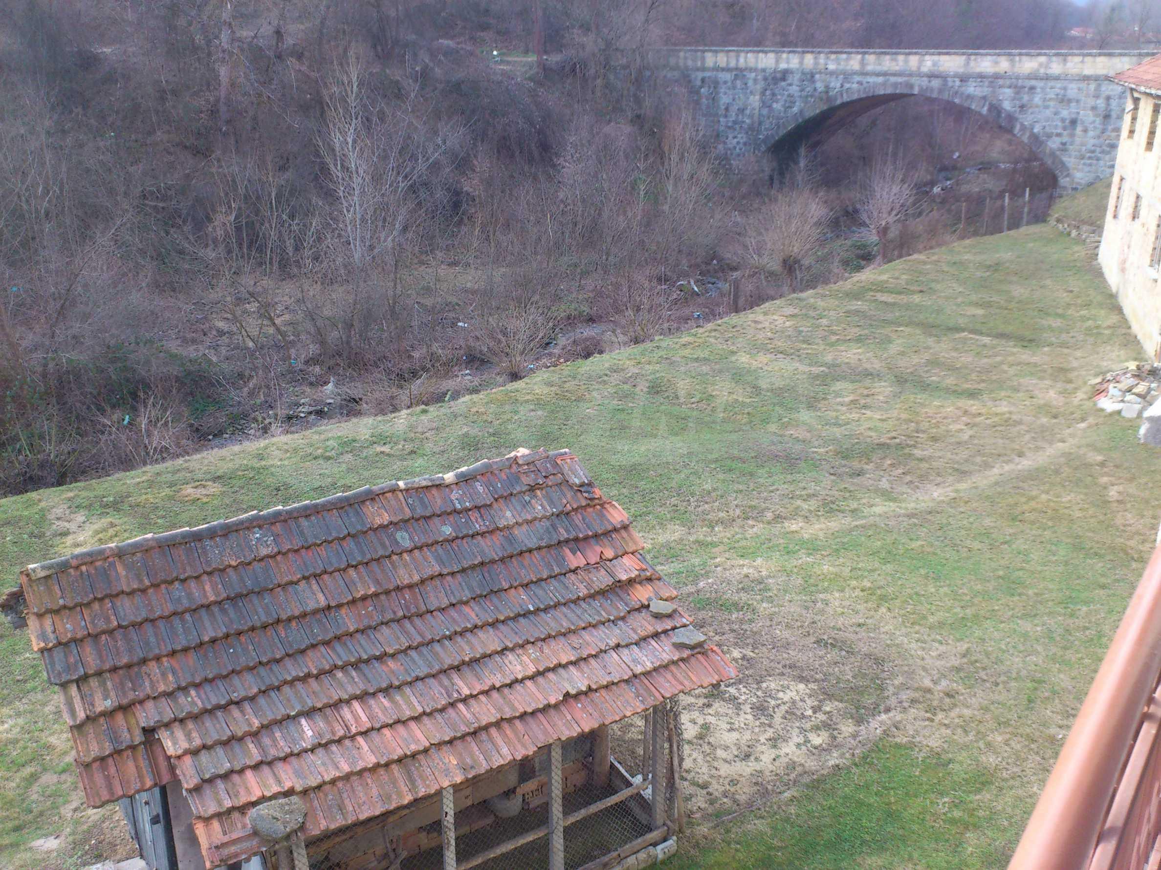 Dreistöckige Villa mit Garage am Flussufer und 32 km von Veliko Tarnovo entfernt 57