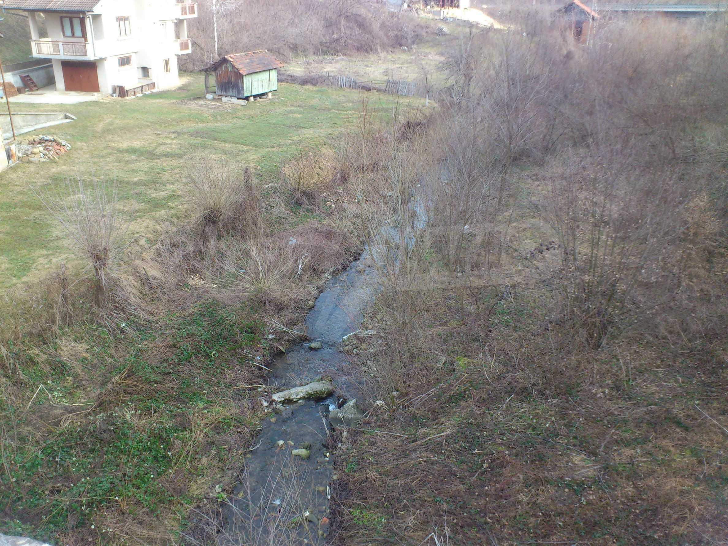 Dreistöckige Villa mit Garage am Flussufer und 32 km von Veliko Tarnovo entfernt 8