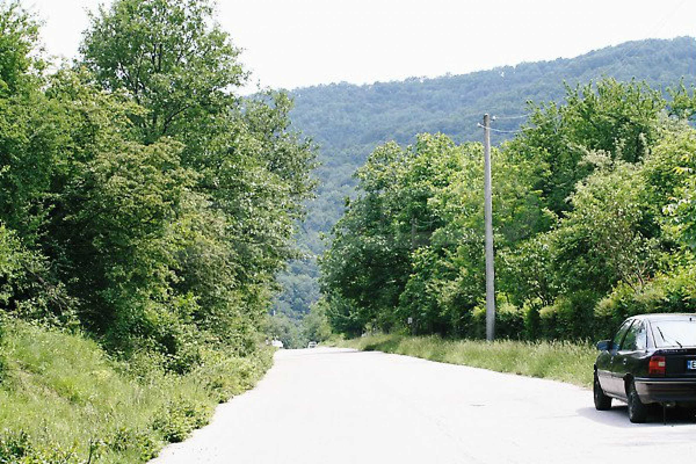 Large plot of land located near town Gabrovo 9