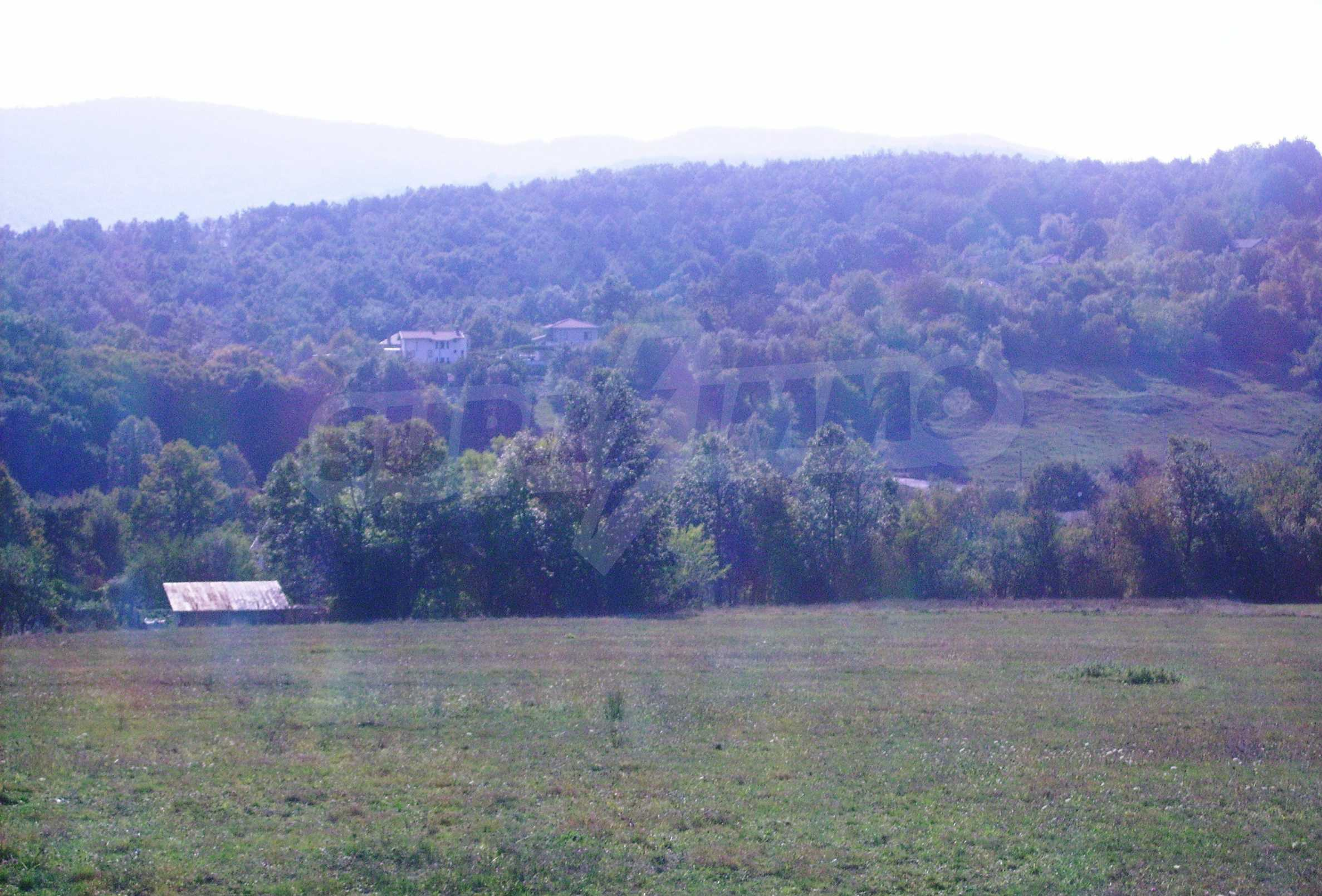 Large plot of land located near town Gabrovo 12