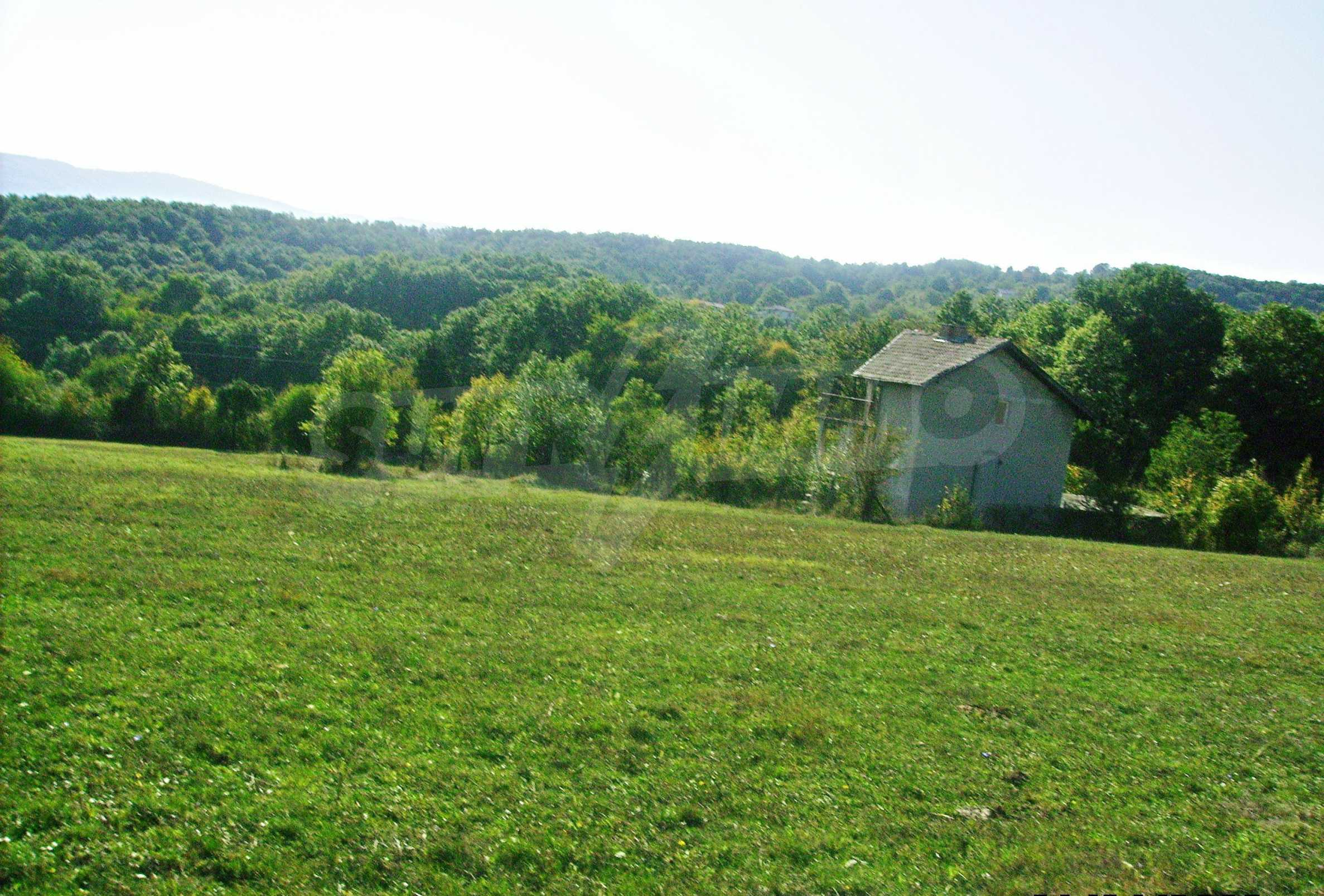 Large plot of land located near town Gabrovo 16
