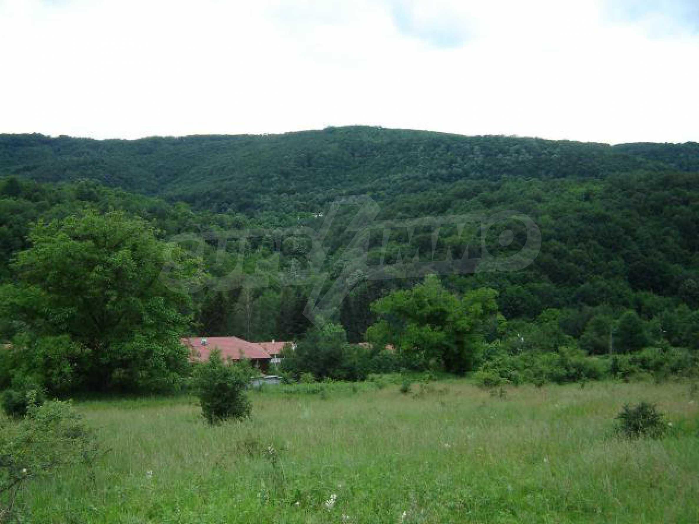Baugrundstück im ethnografischen Schutzgebiet des Dorfes Bozhentsi