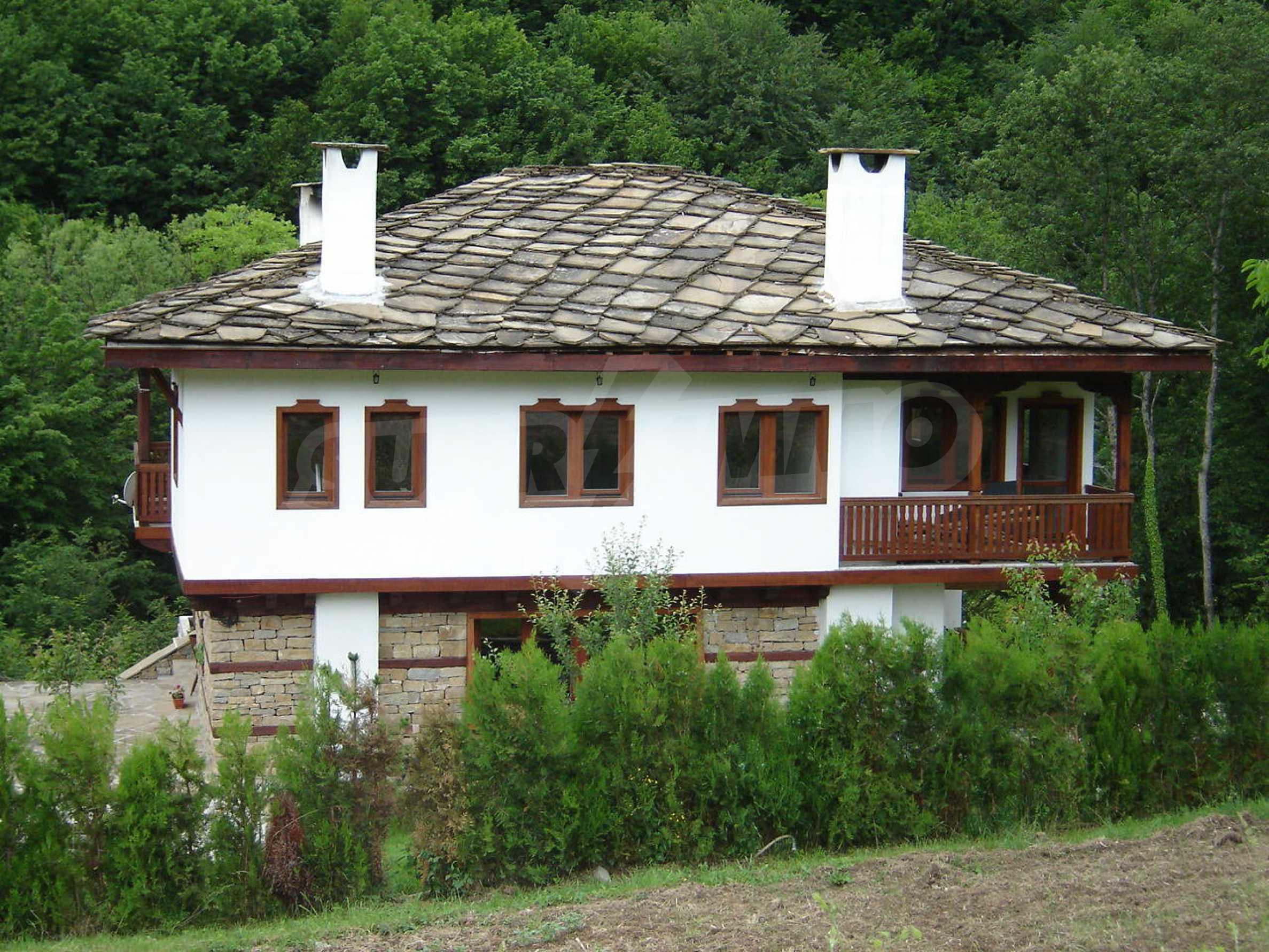Baugrundstück im ethnografischen Schutzgebiet des Dorfes Bozhentsi 9
