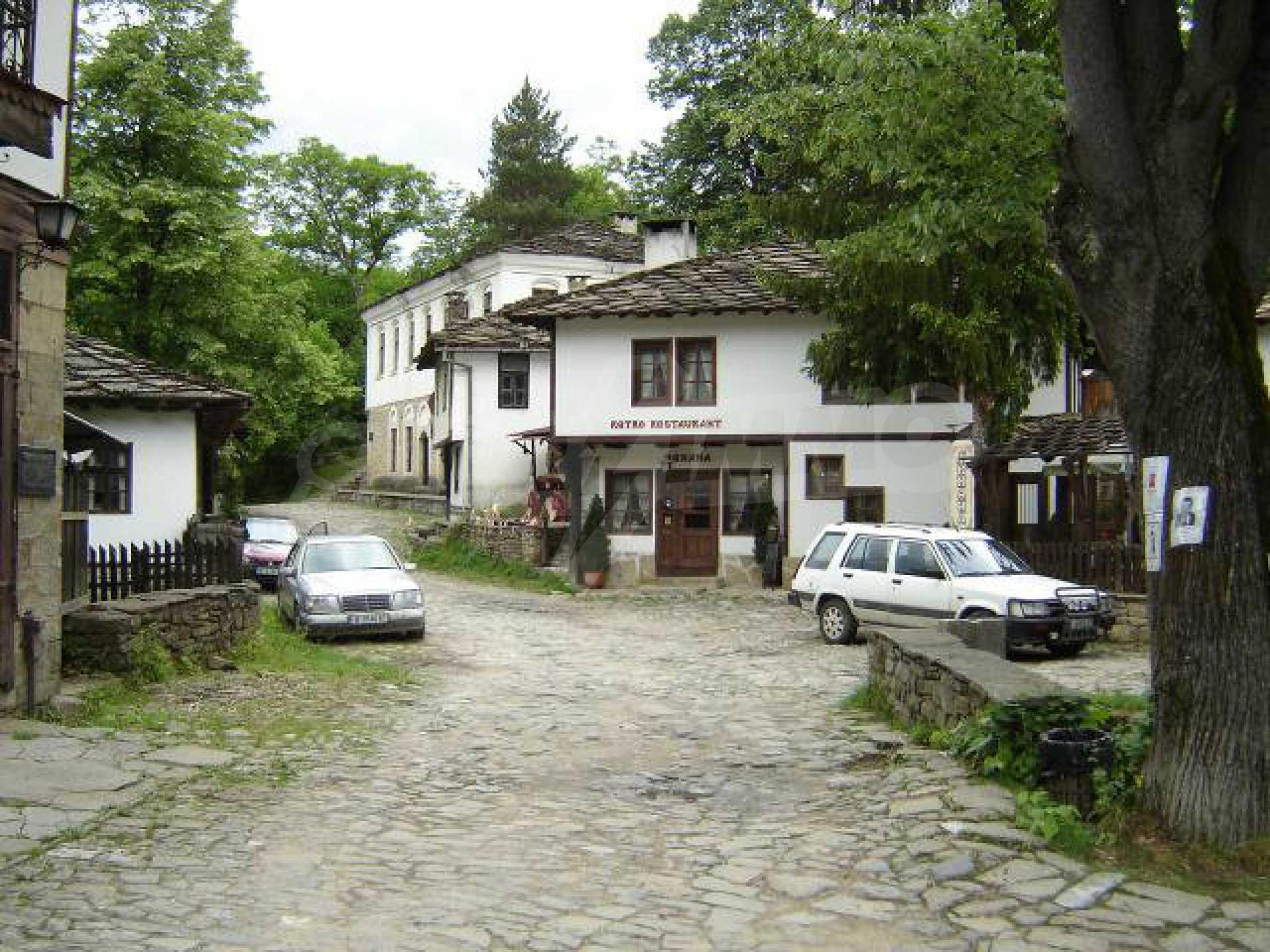 Baugrundstück im ethnografischen Schutzgebiet des Dorfes Bozhentsi 6