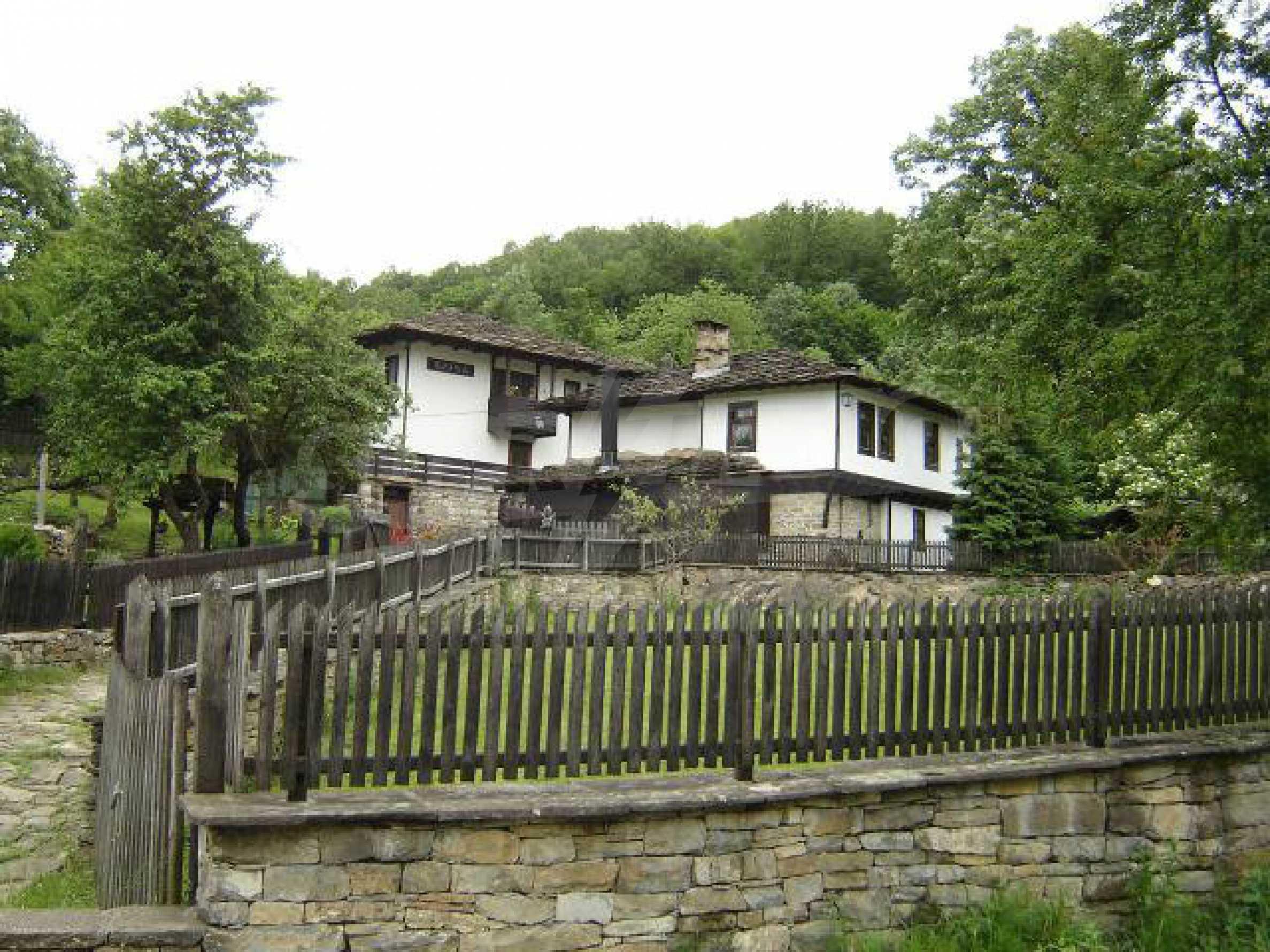 Baugrundstück im ethnografischen Schutzgebiet des Dorfes Bozhentsi 7